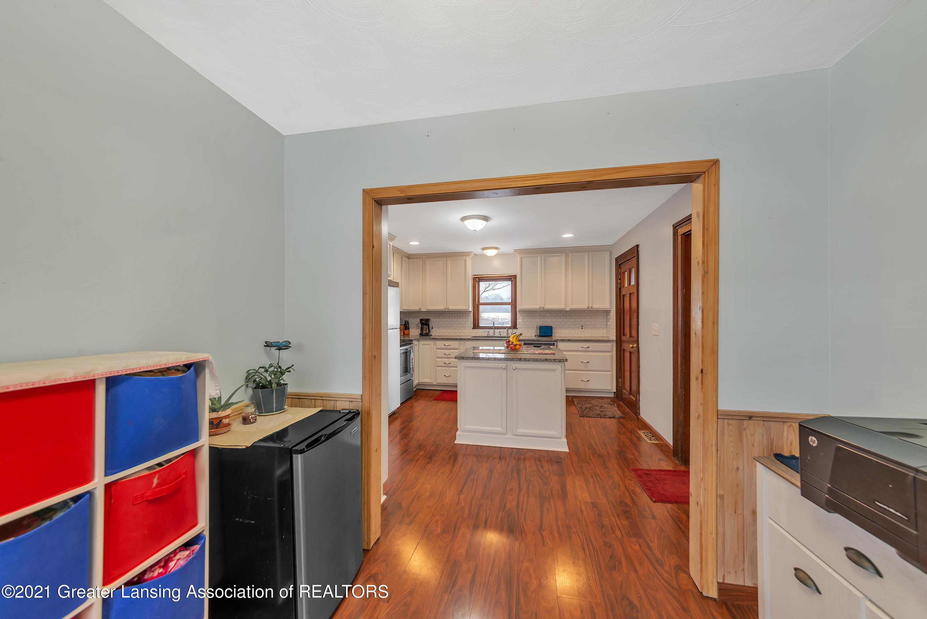 7779 E Mt Hope Hwy - Kitchen - 16