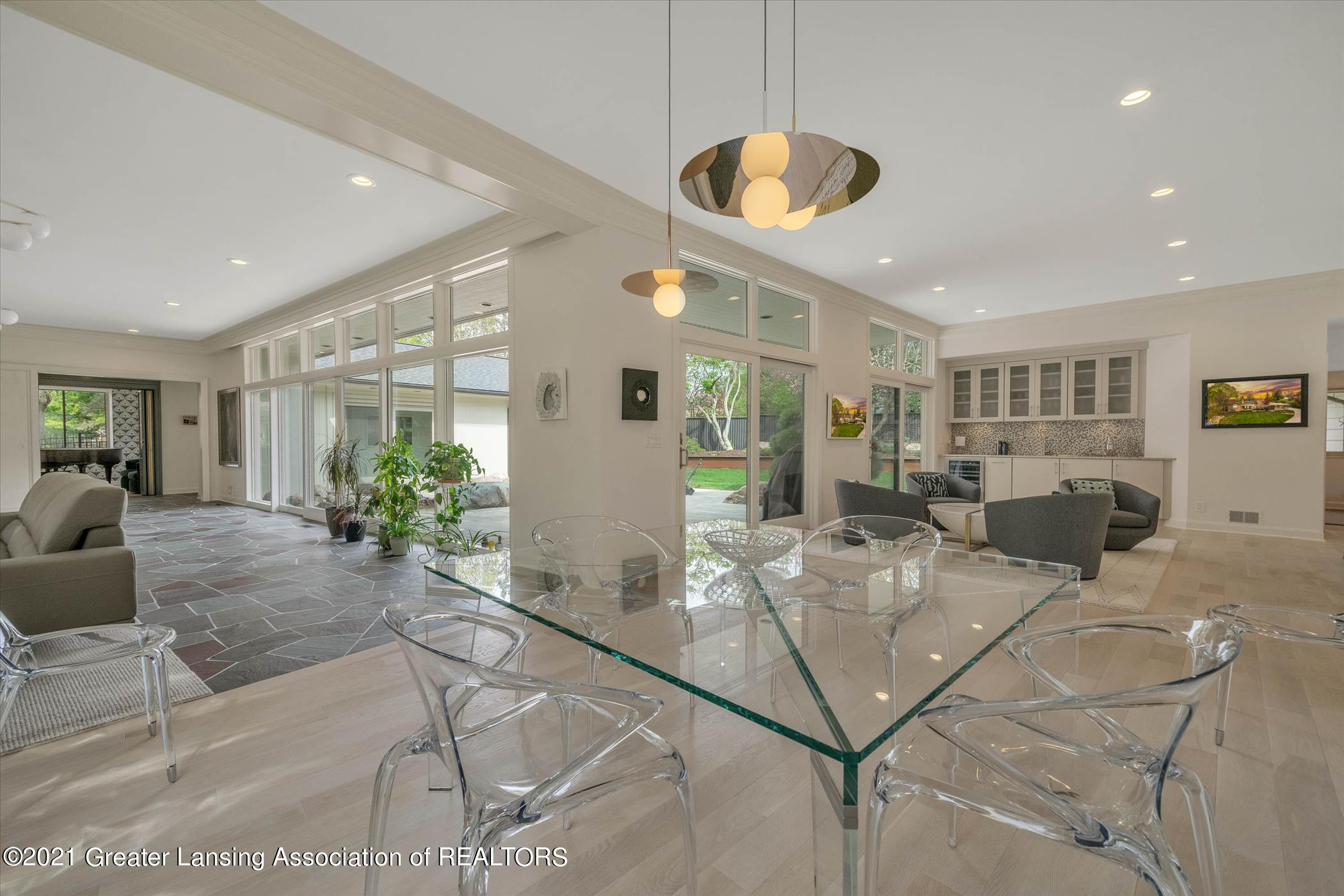 820 Southlawn Ave - MAIN FLOOR Dining Room - 6
