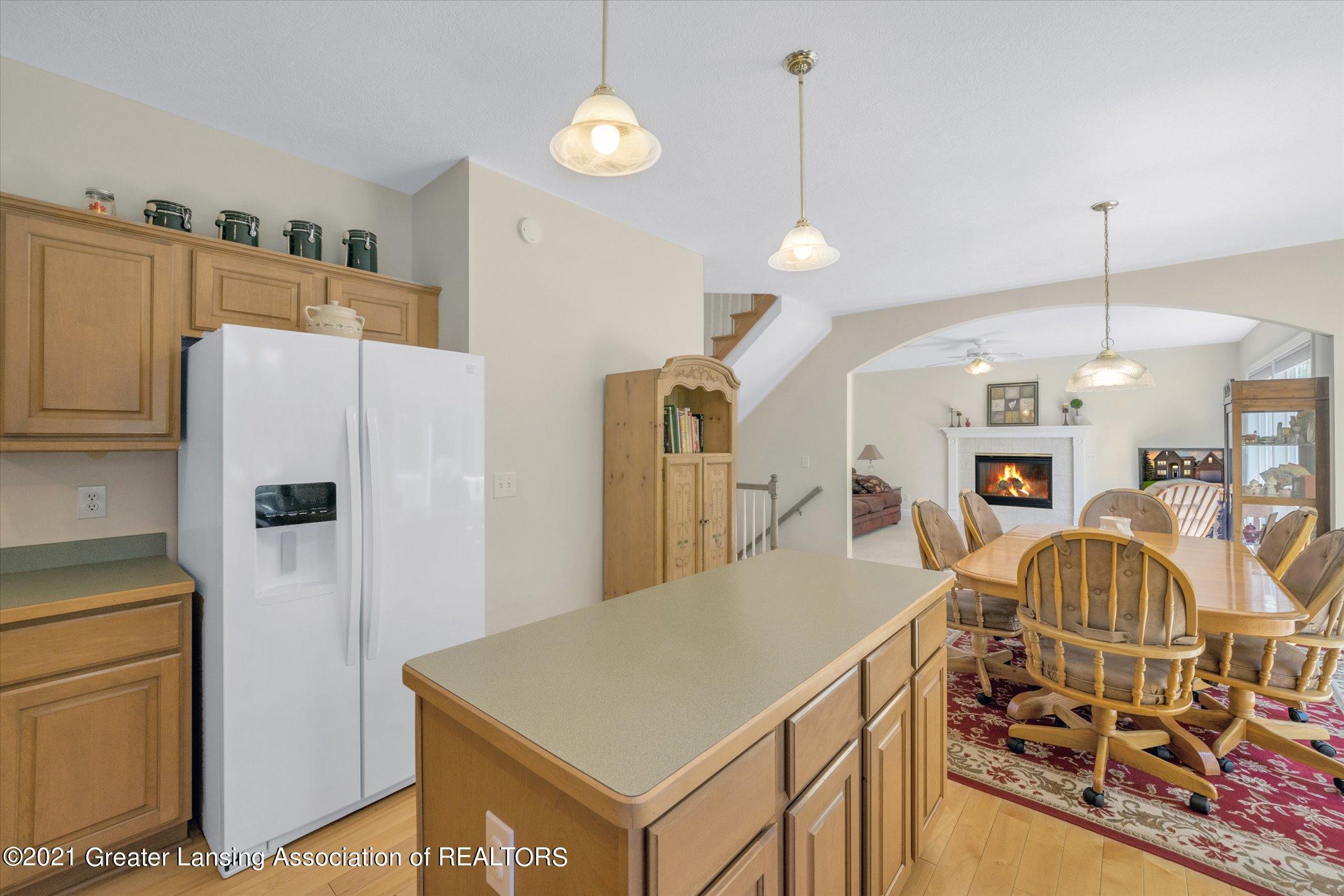 6542 White Clover Dr - MAIN FLOOR Kitchen - 11
