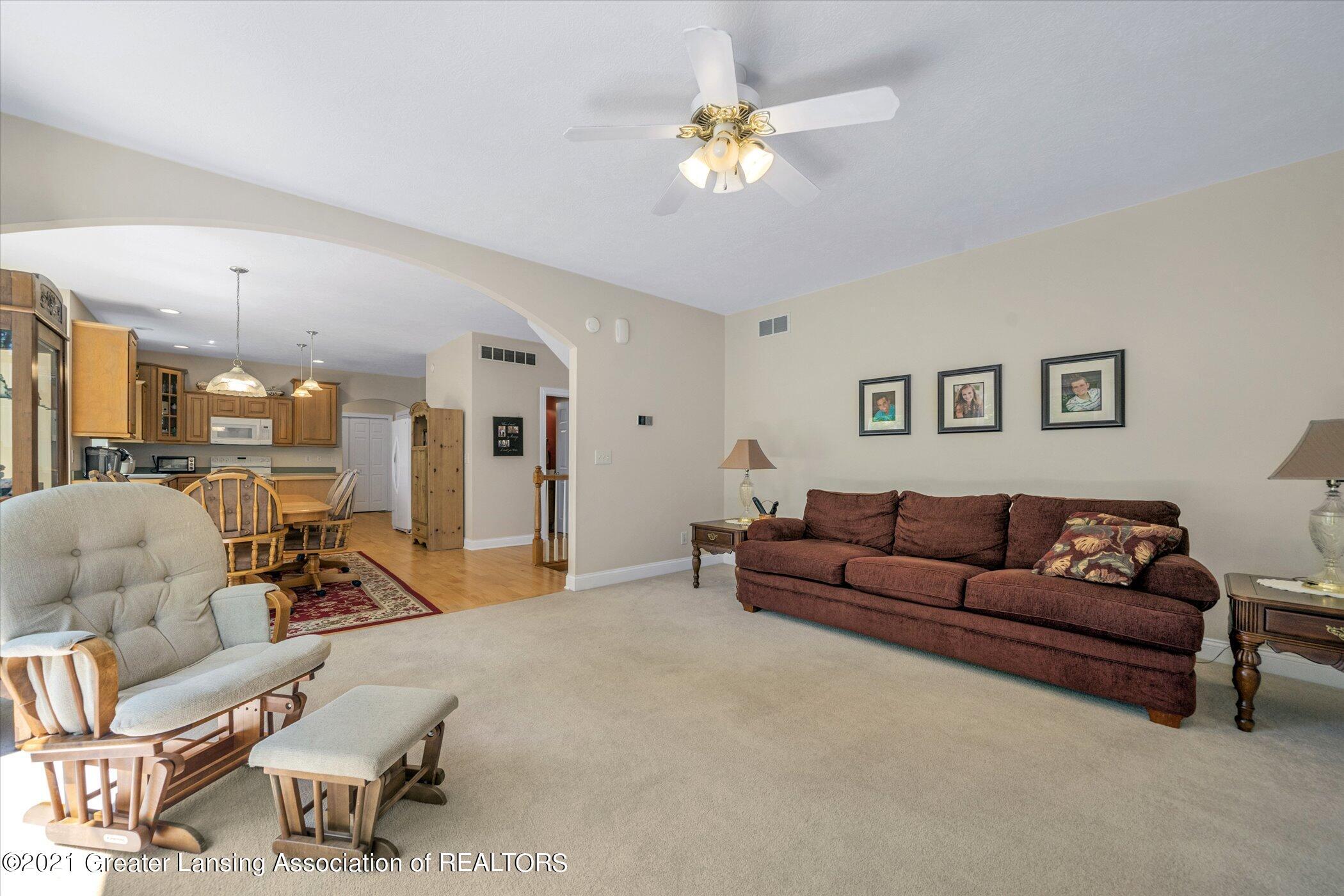 6542 White Clover Dr - MAIN FLOOR Family Room - 15