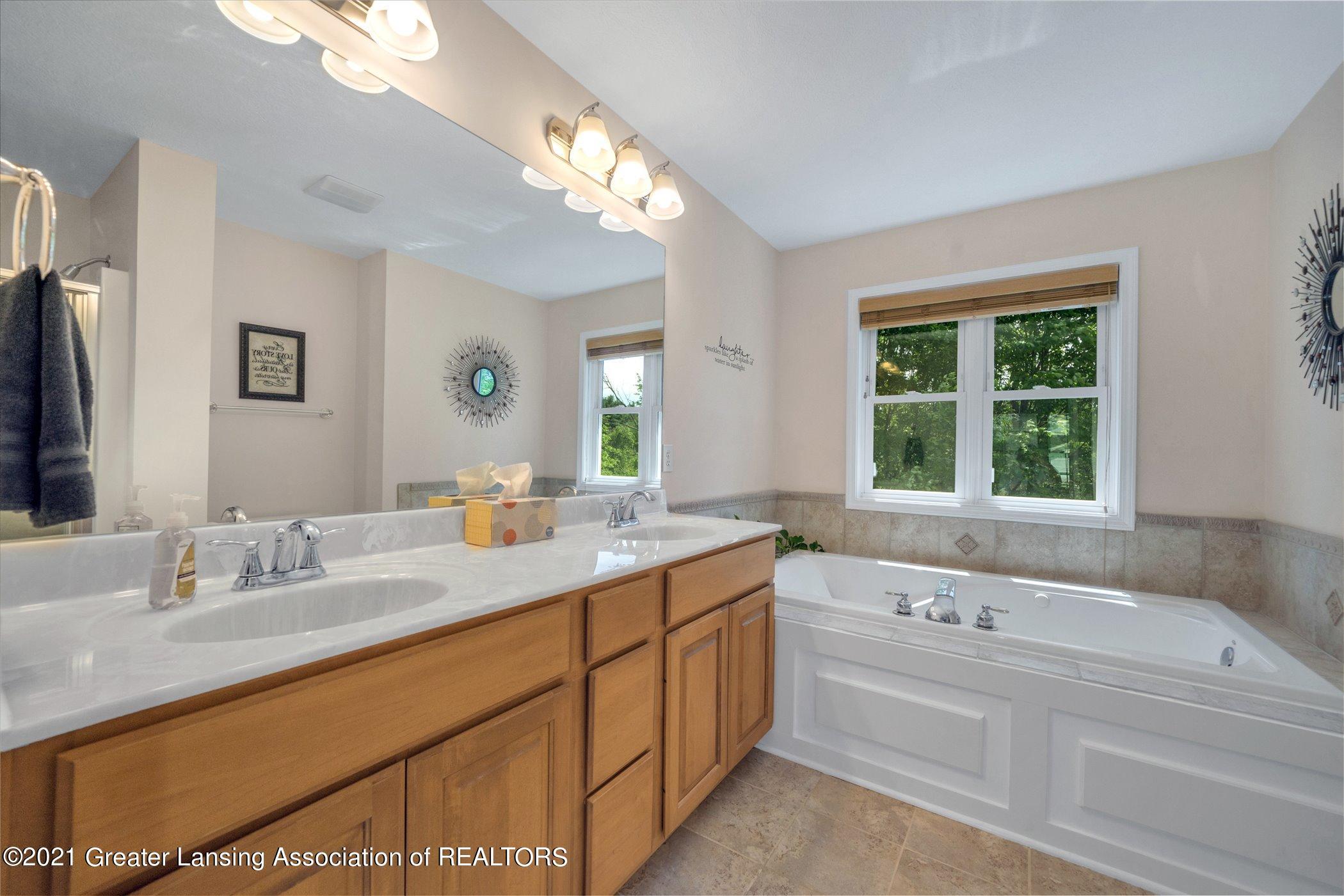 6542 White Clover Dr - UPPER FLOOR Primary Bathroom - 22