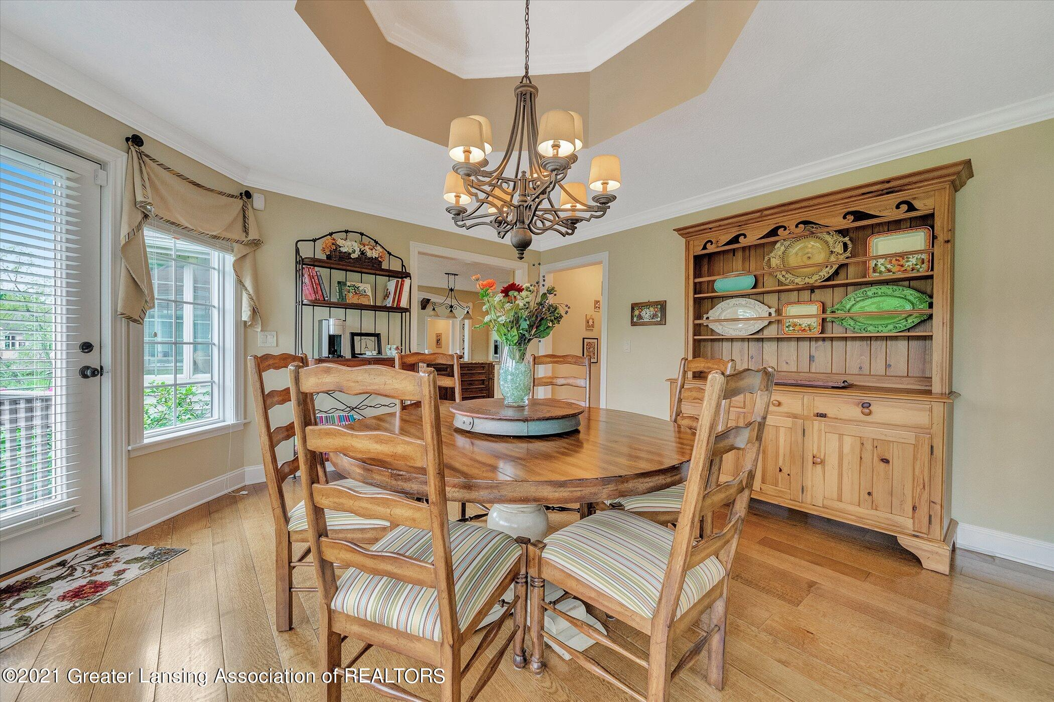 6330 Pine Hollow Dr - MAIN FLOOR Casual Dining Room - 20
