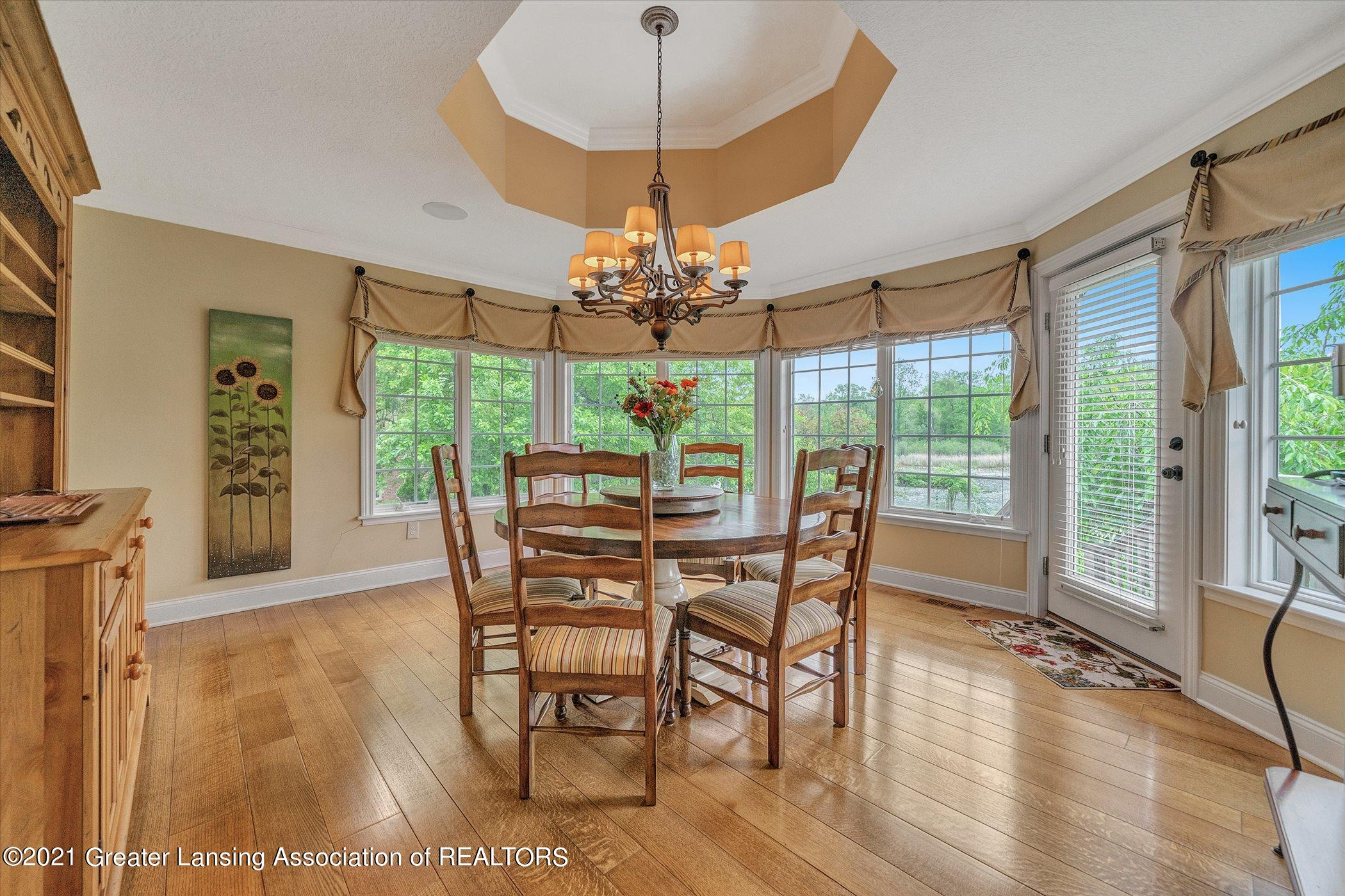 6330 Pine Hollow Dr - MAIN FLOOR Casual Dining Room - 21