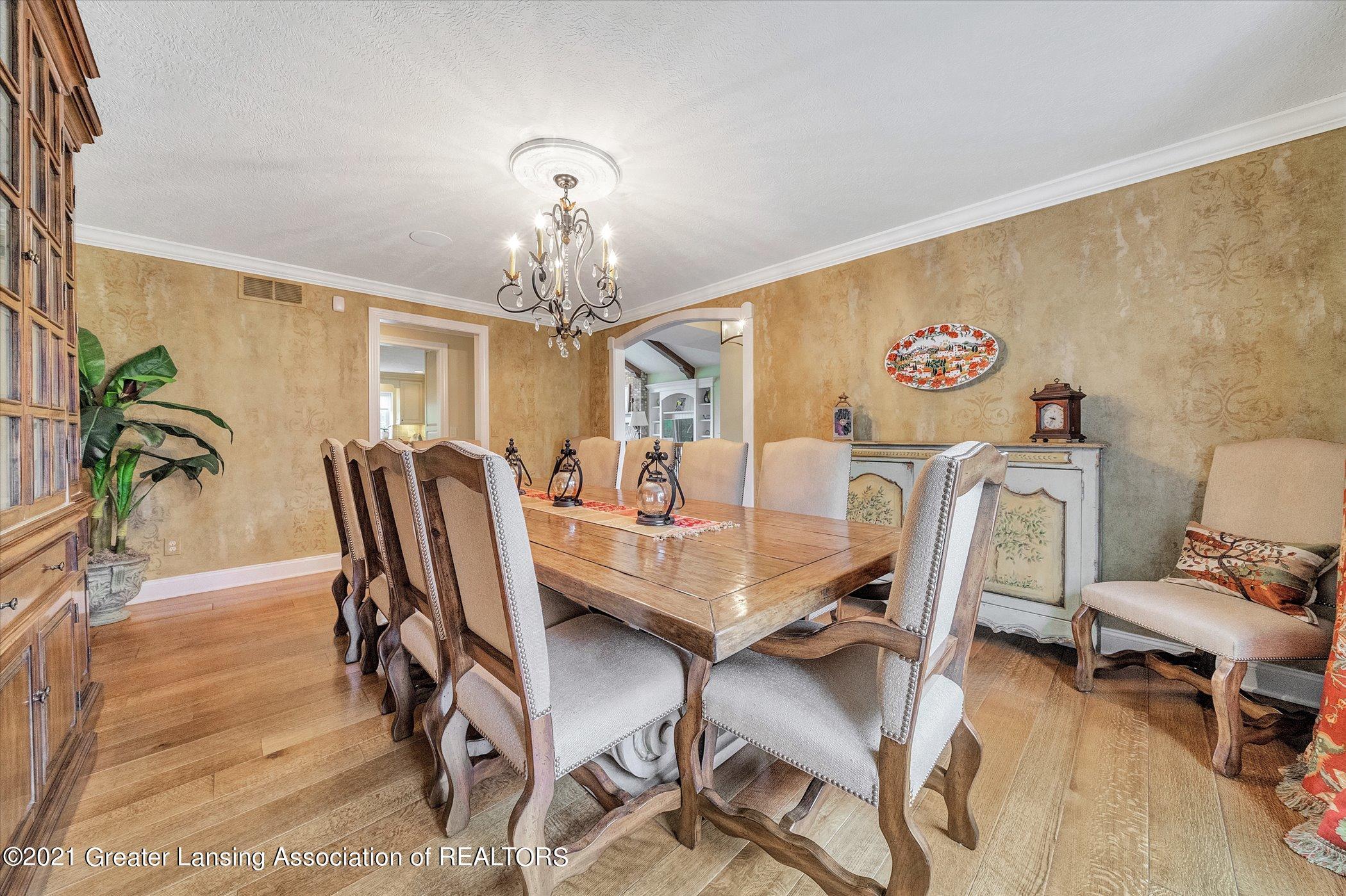 6330 Pine Hollow Dr - MAIN FLOOR Dining Room - 24