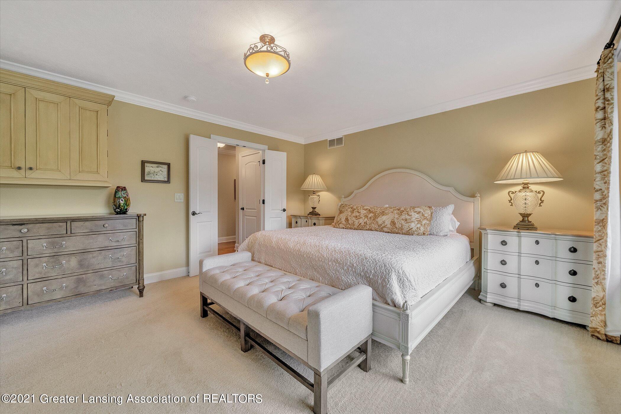 6330 Pine Hollow Dr - MAIN FLOOR Primary Bedroom - 26