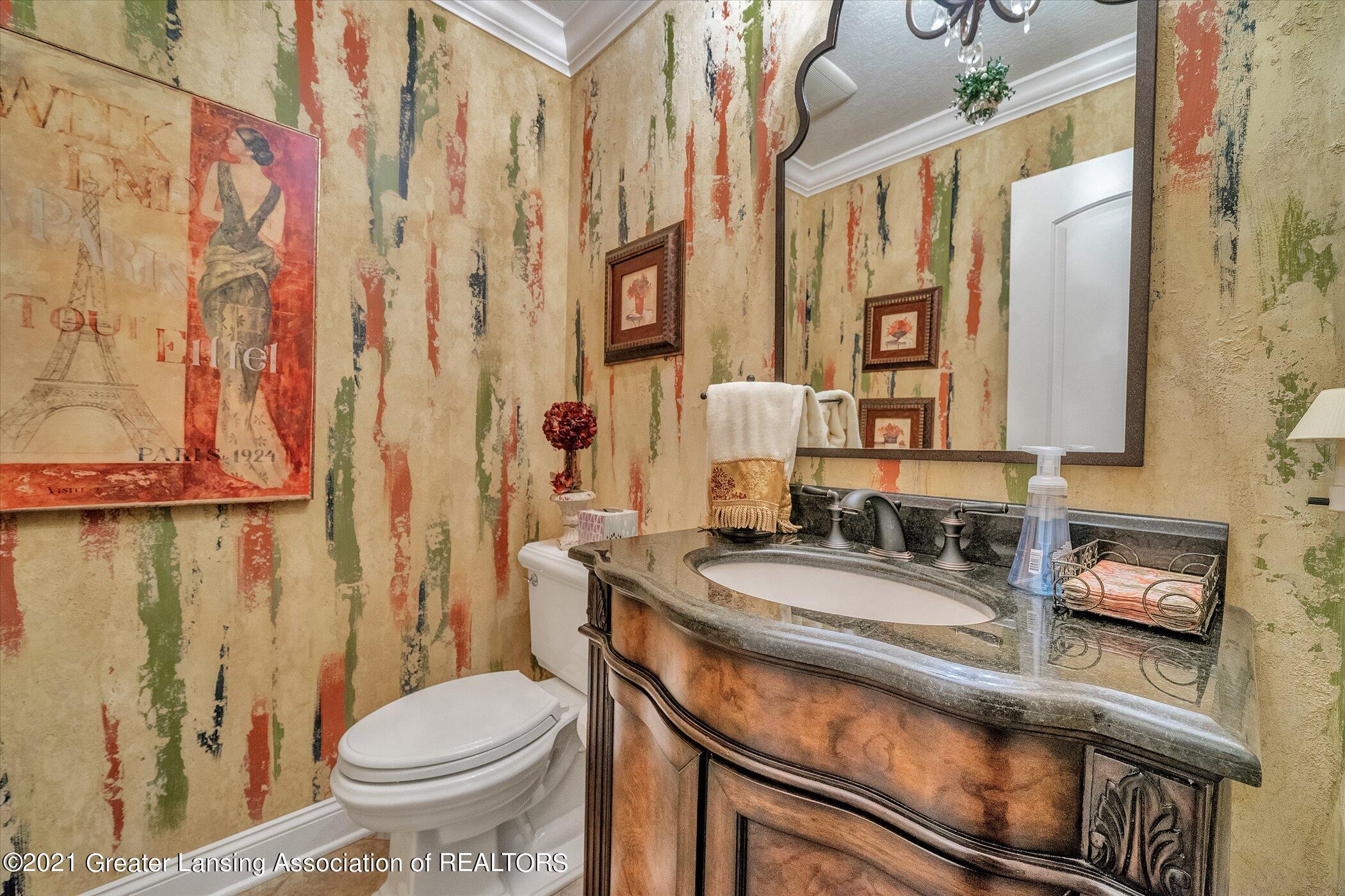 6330 Pine Hollow Dr - MAIN FLOOR Half Bathroom by Laund - 39