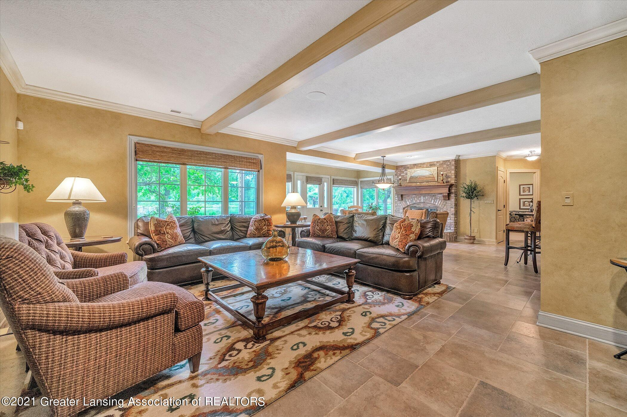 6330 Pine Hollow Dr - LOWER LEVEL Family Room - 40
