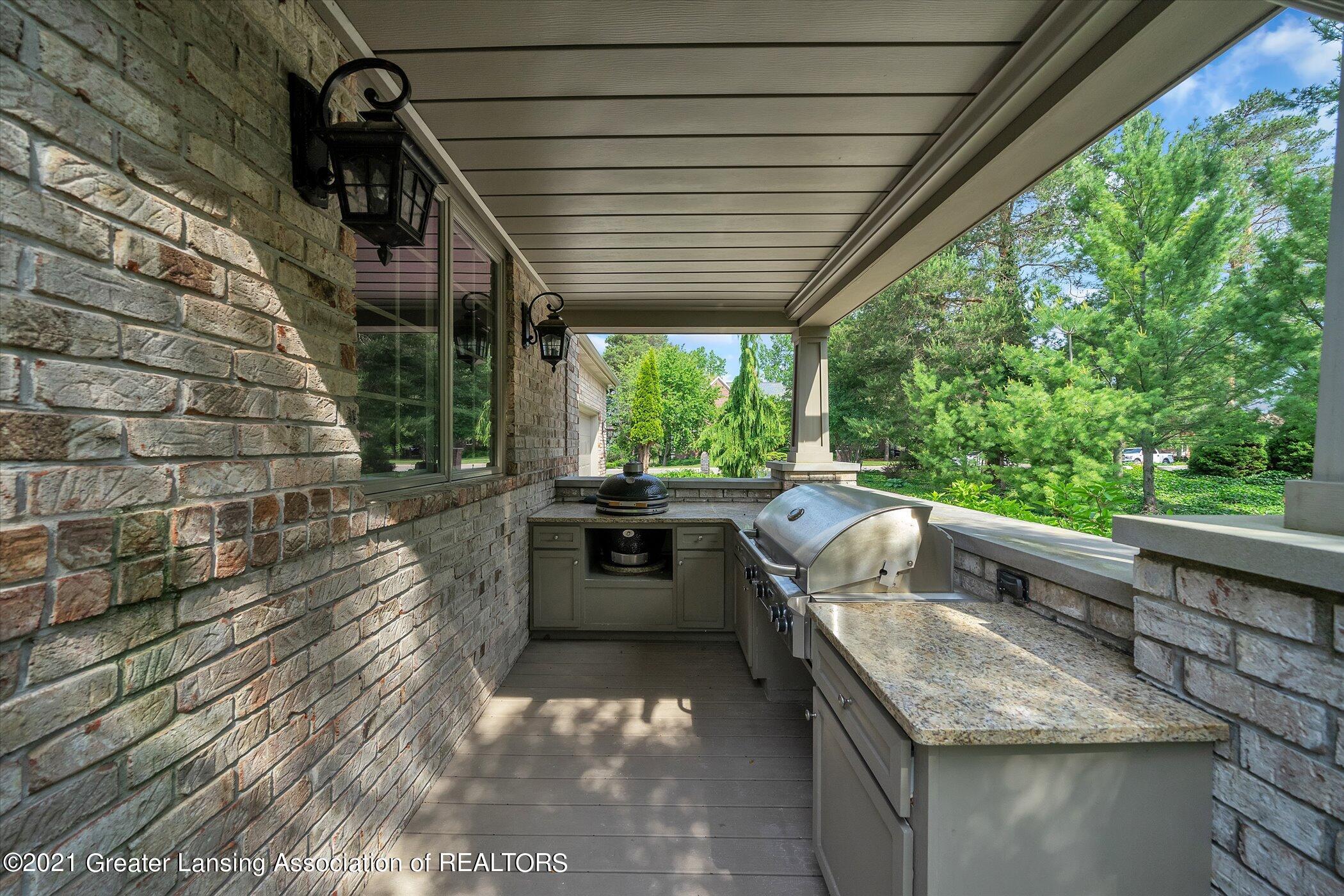 6330 Pine Hollow Dr - EXTERIOR Outdoor Kitchen - 57