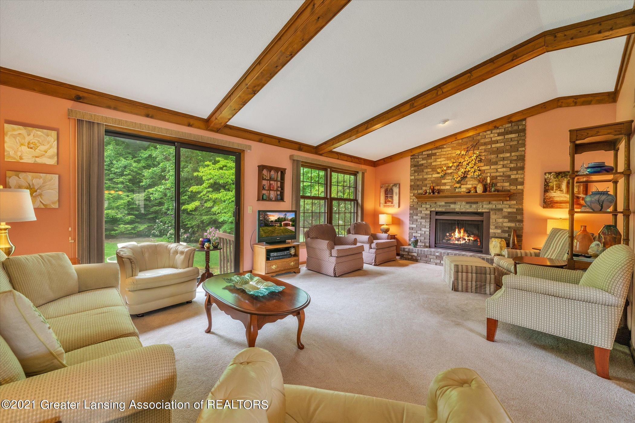 5556 Wood Valley Dr - (4) MAIN FLOOR Living Room - 4