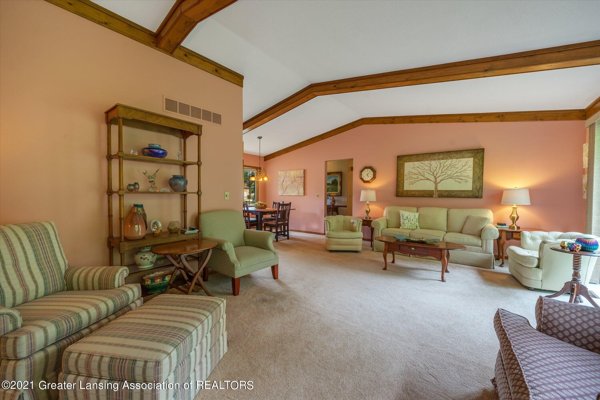 5556 Wood Valley Dr - (6) MAIN FLOOR Living Room - 6