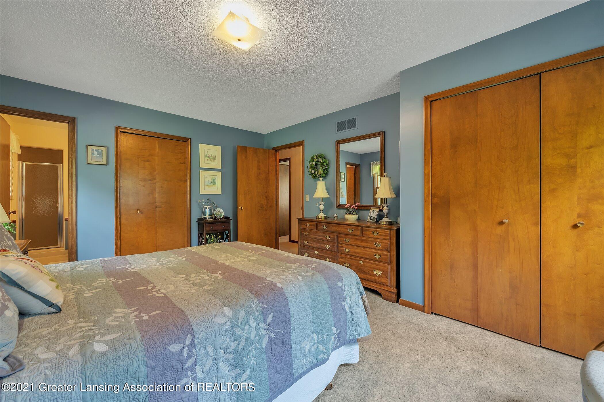 5556 Wood Valley Dr - (13) MAIN FLOOR Primary Bedroom - 13