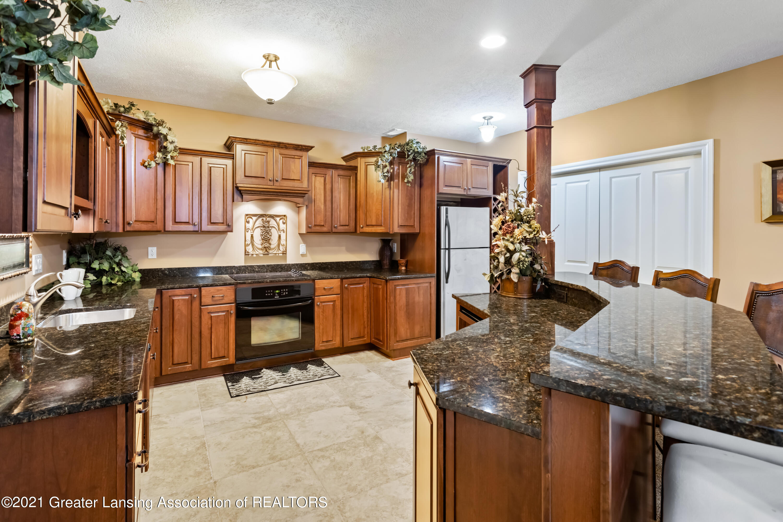 910 Abbey Rd - Lower Kitchen - 42