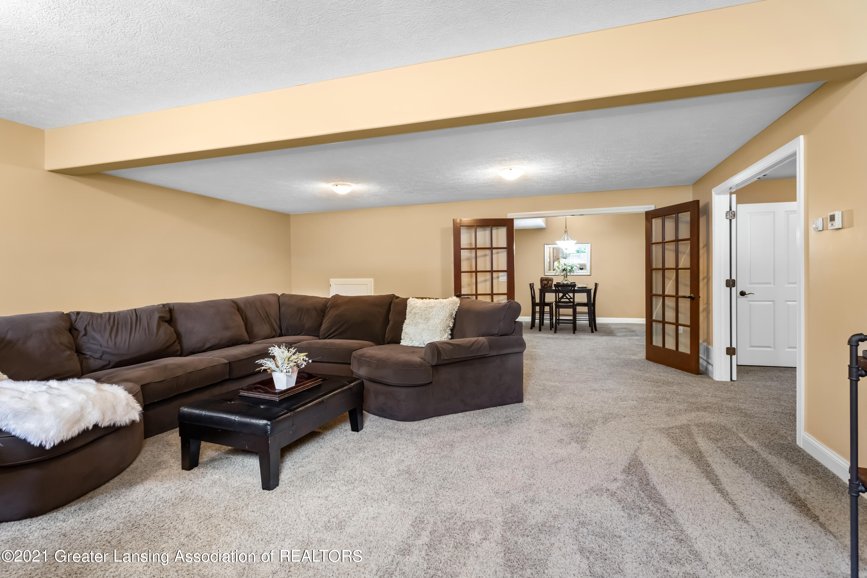 910 Abbey Rd - family room - 46