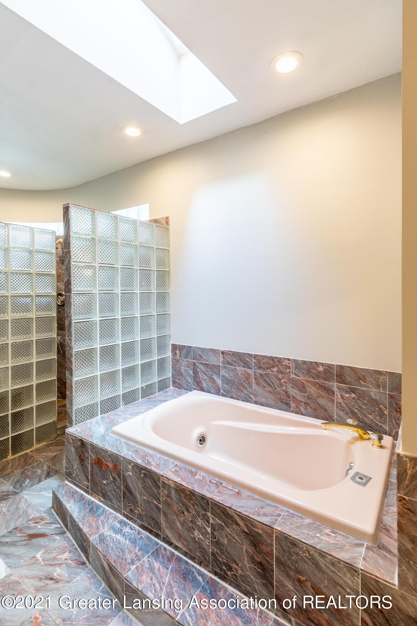 3615 Beech Tree Ln - Bathroom - 45