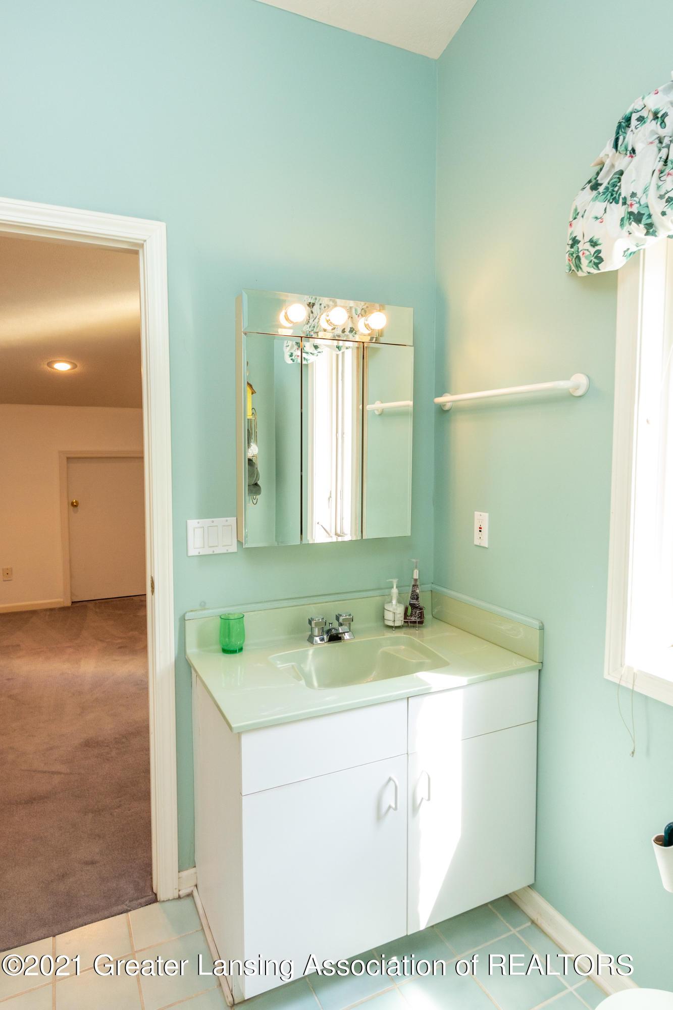 3615 Beech Tree Ln - Bathroom - 54