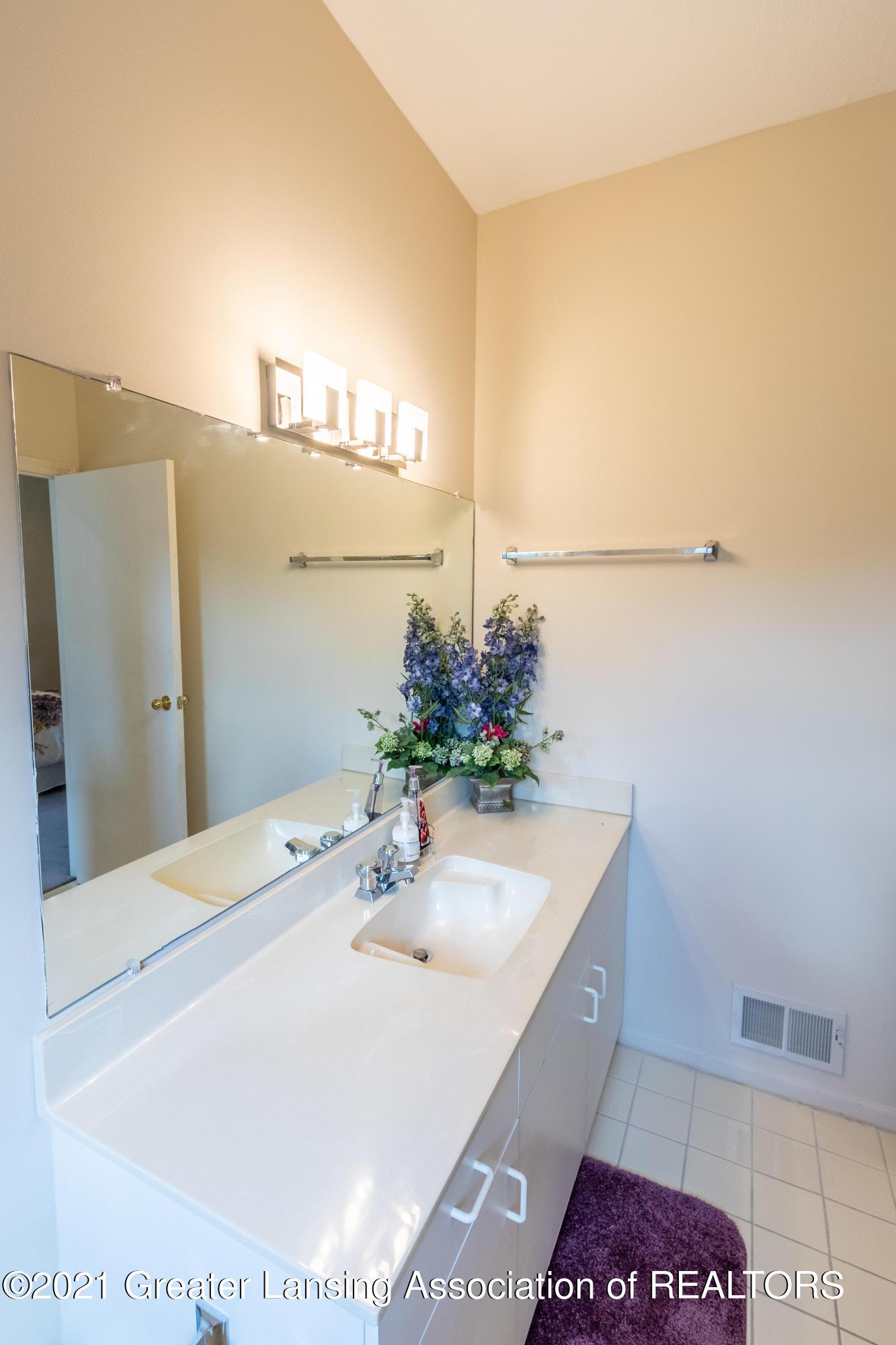 3615 Beech Tree Ln - Bathroom - 59