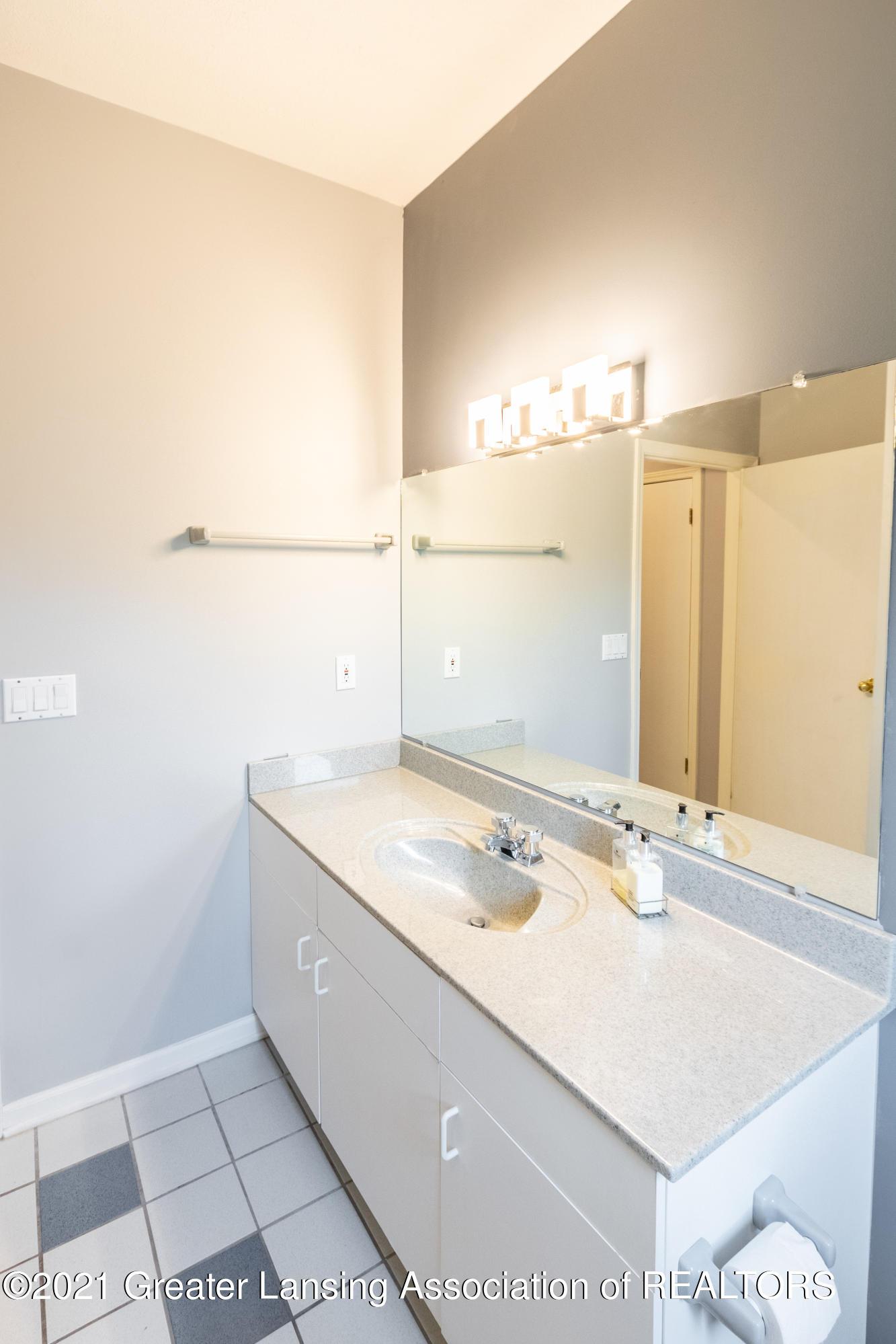 3615 Beech Tree Ln - Bathroom - 63