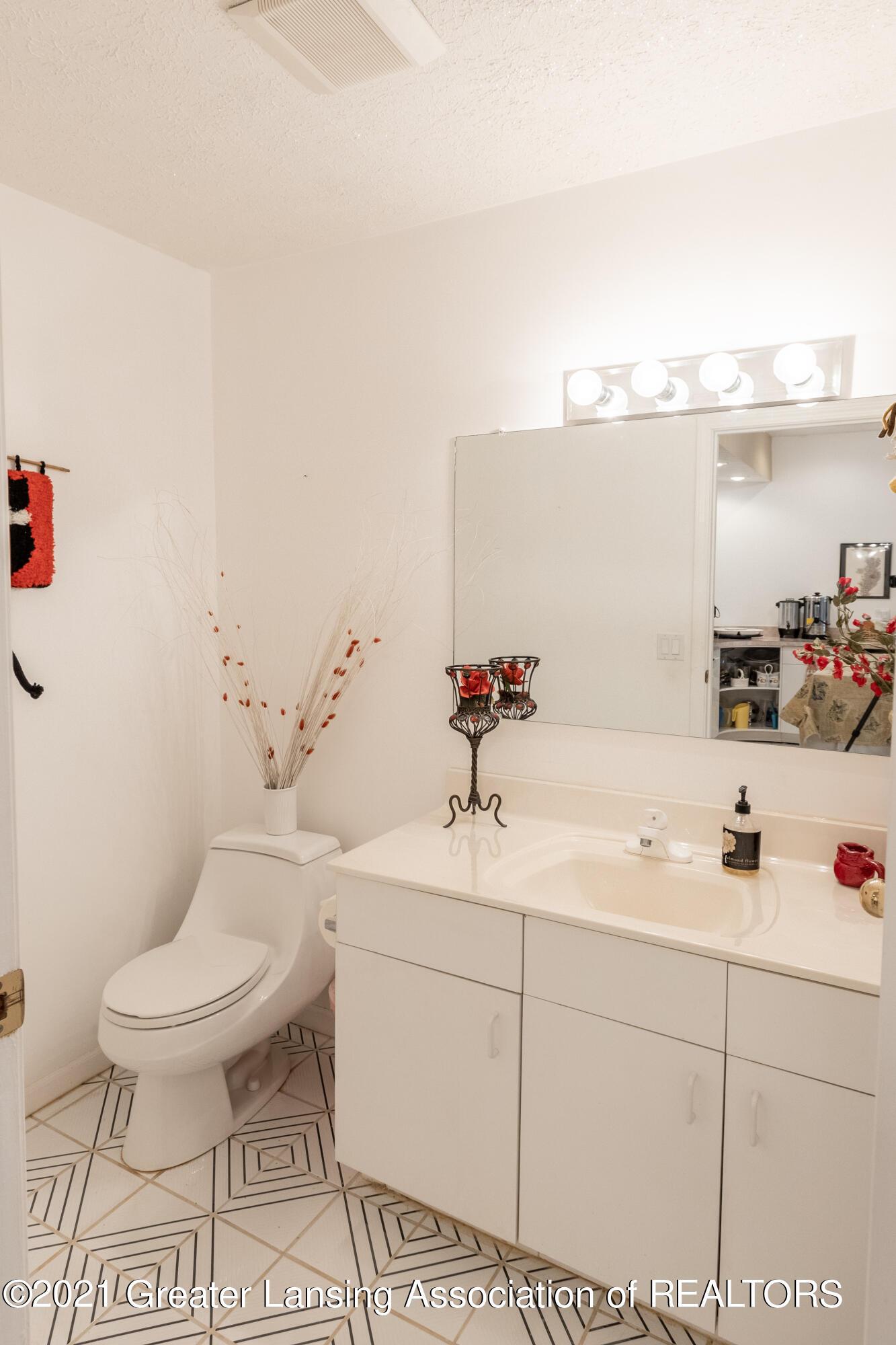 3615 Beech Tree Ln - Bathroom - 75