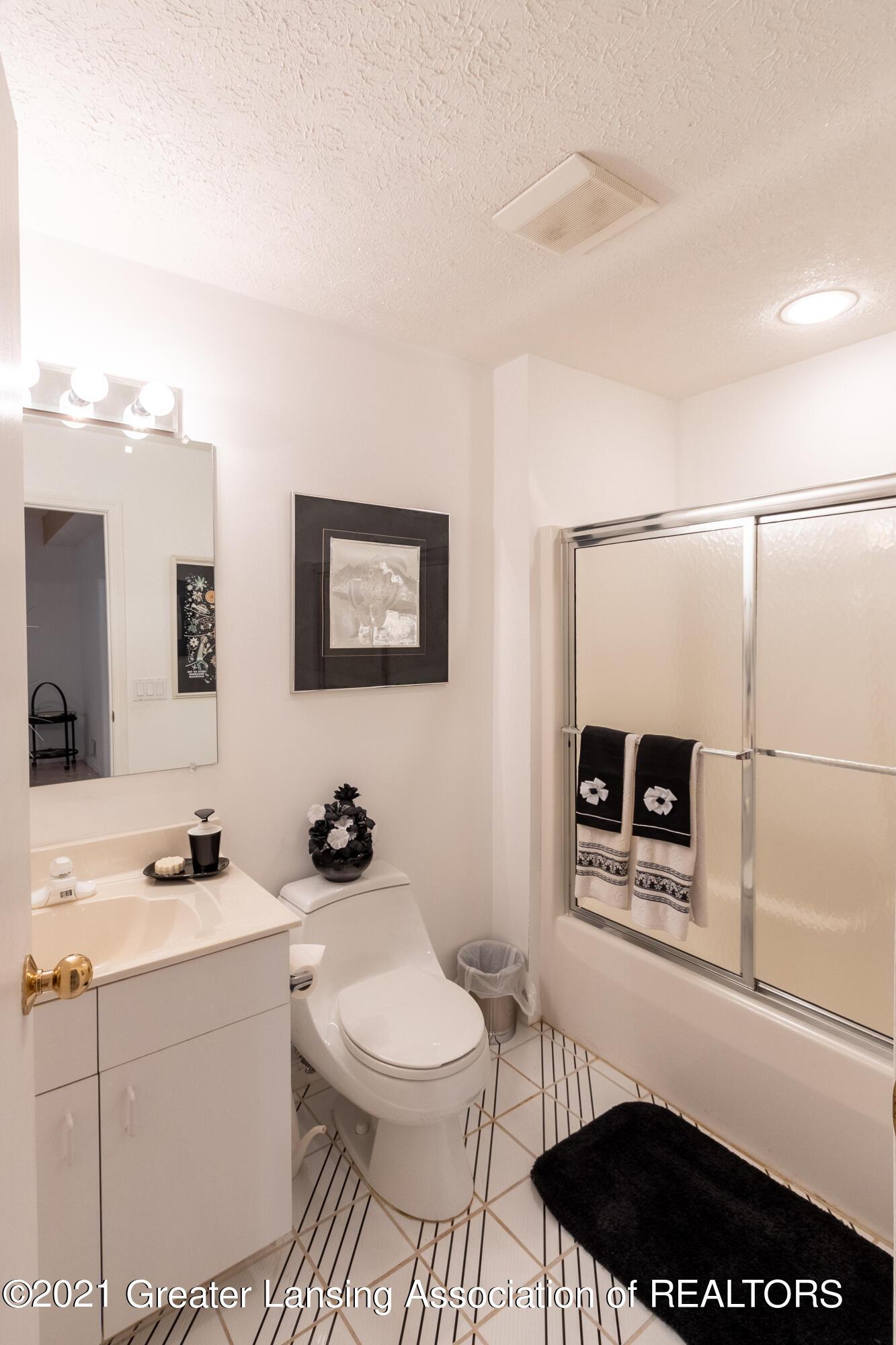 3615 Beech Tree Ln - Bathroom - 78