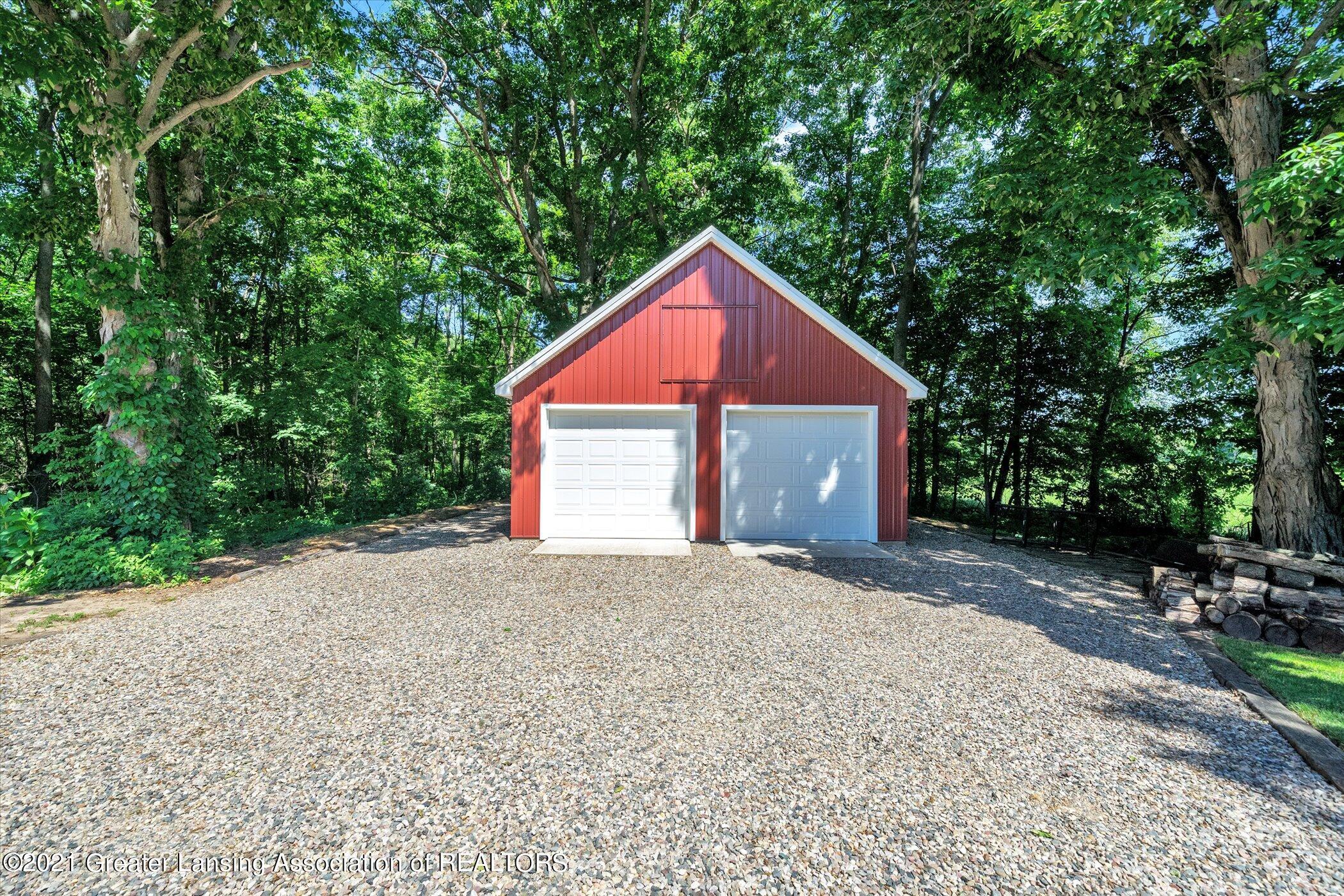 7851 S Cochran Rd - (37) EXTERIOR Garage - 37
