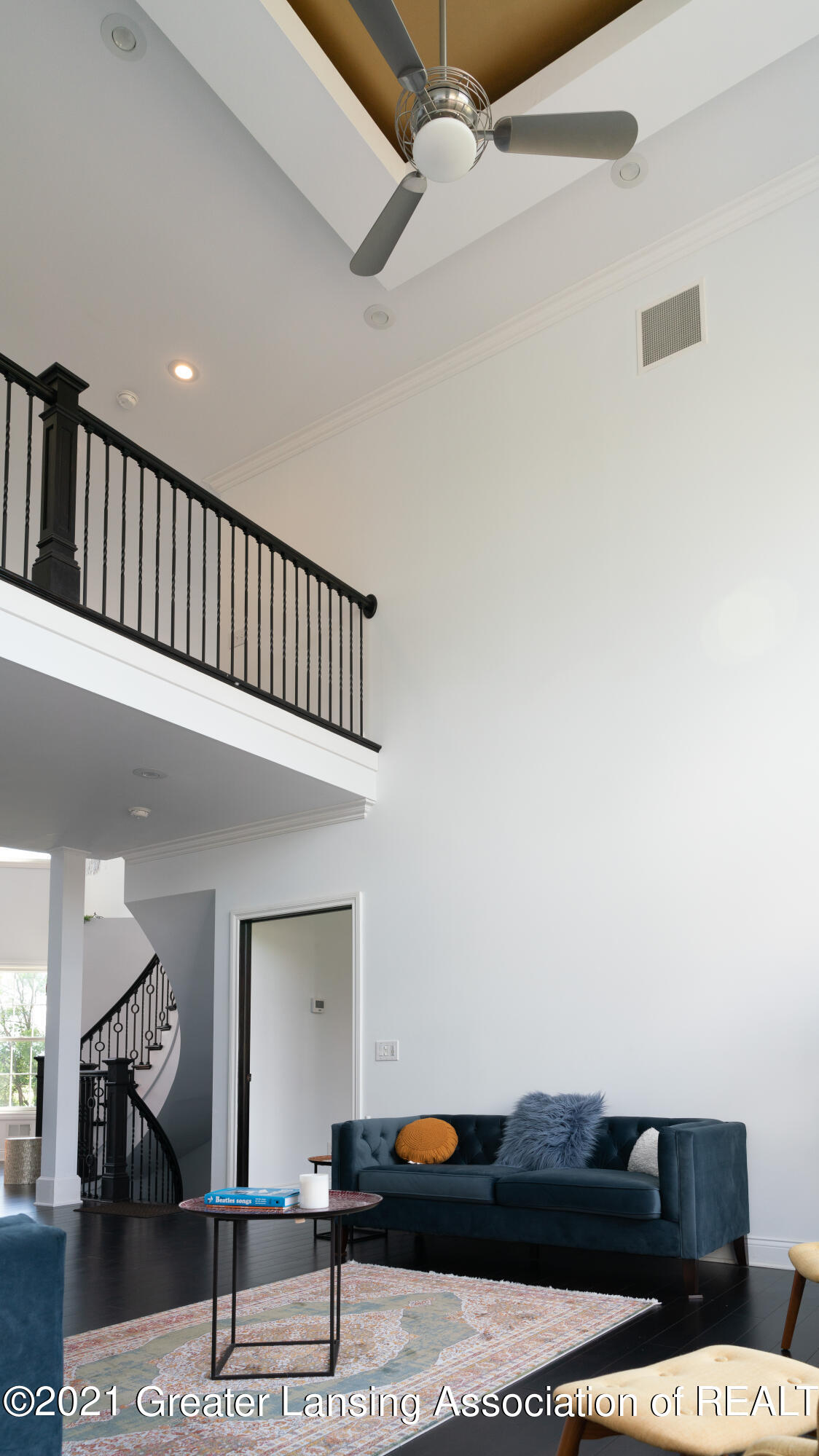50 Victorian Hills Dr - Living Room - 19