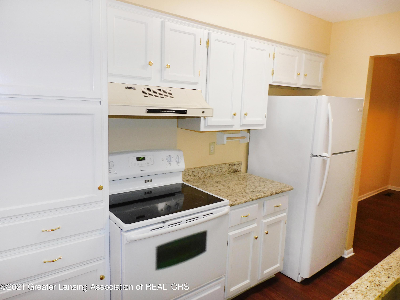 2105 La Mer Ln - Kitchen - 9