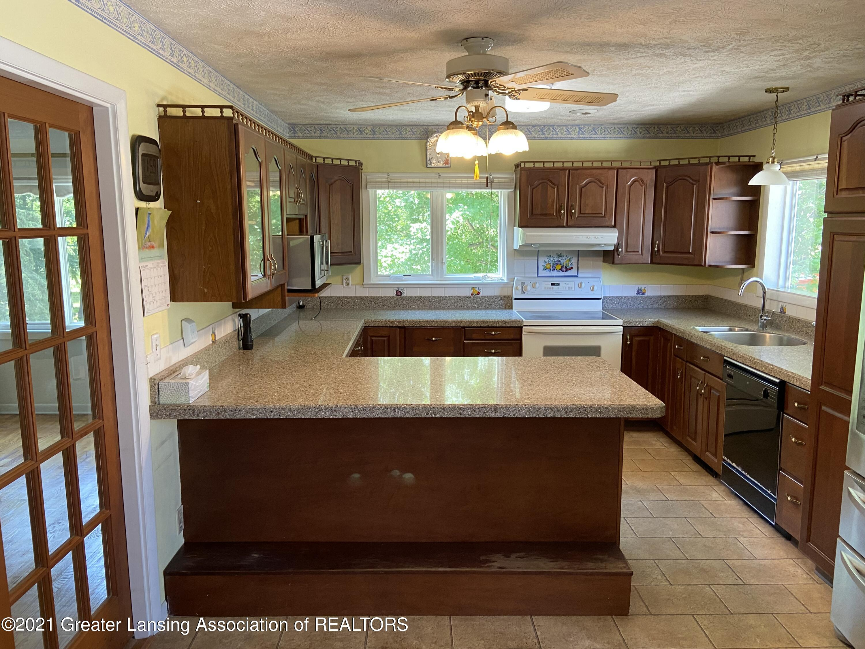 15500 Peacock Rd - Kitchen - 3