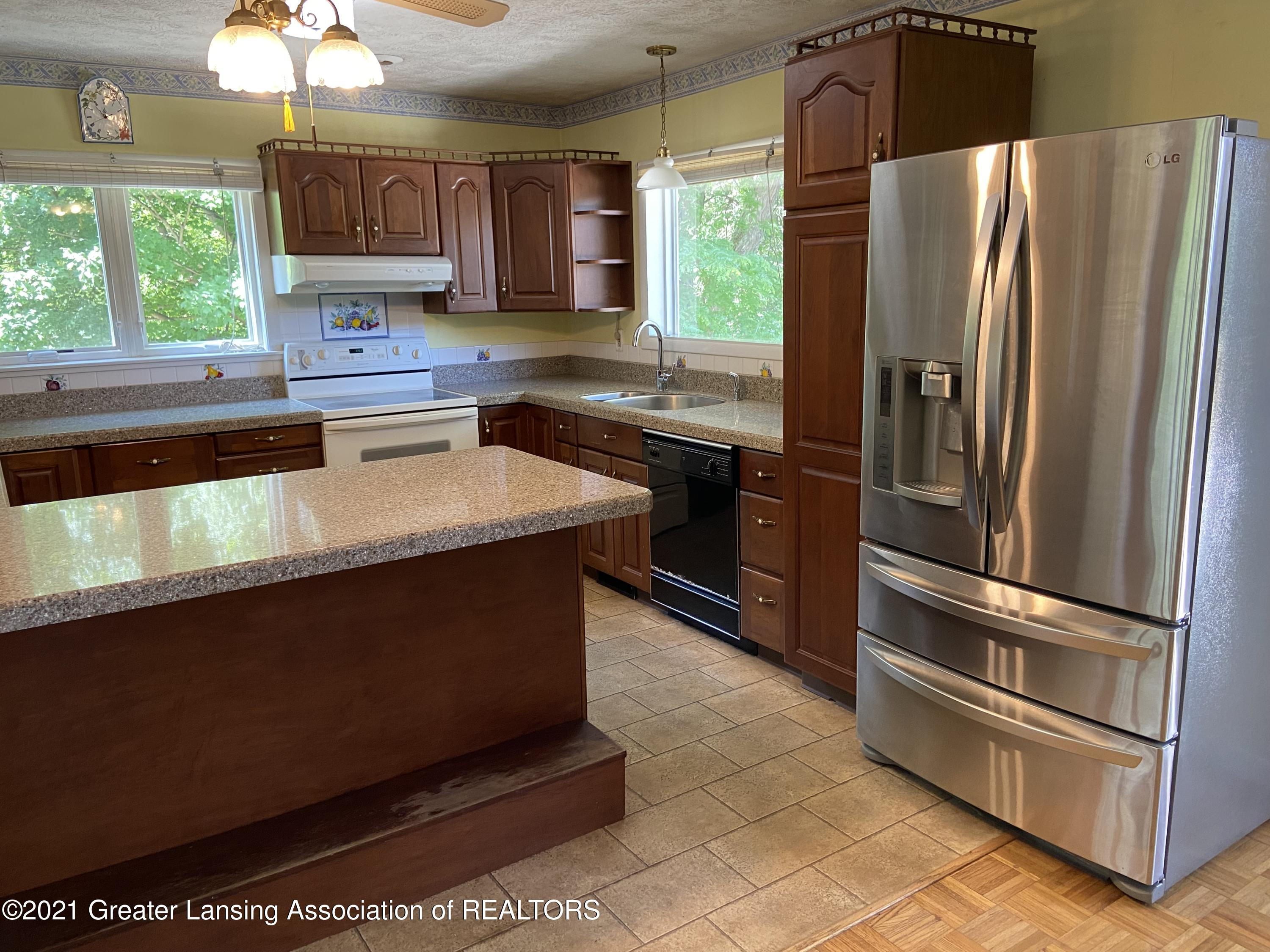 15500 Peacock Rd - Kitchen - 4