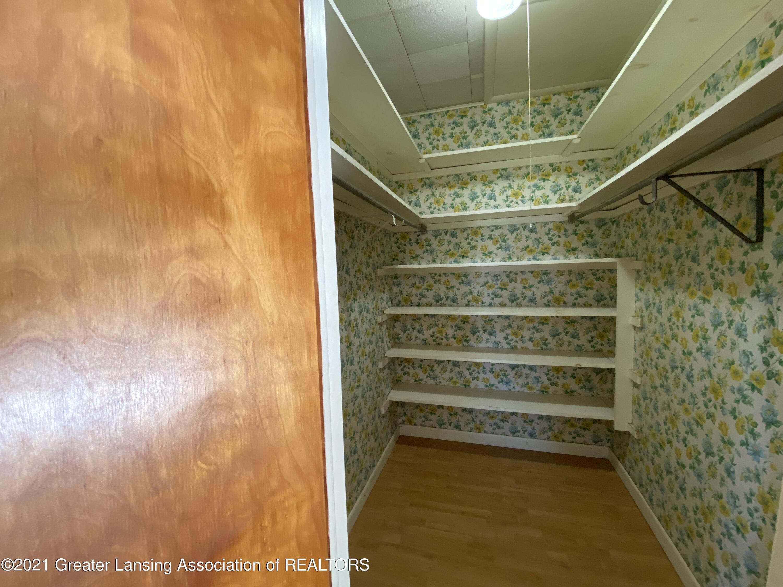 15500 Peacock Rd - Walk-in closet - 17