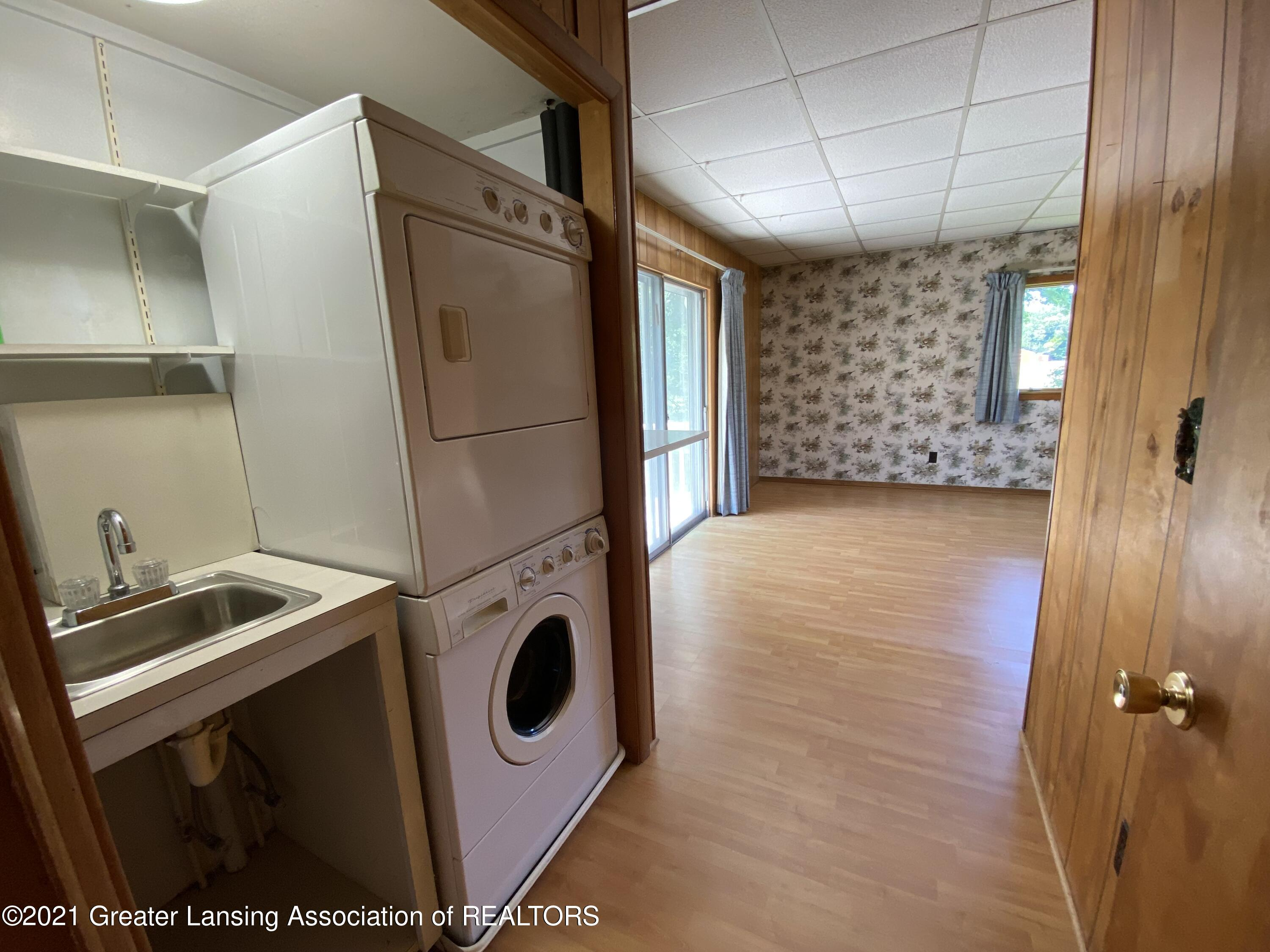 15500 Peacock Rd - Laundry - 18