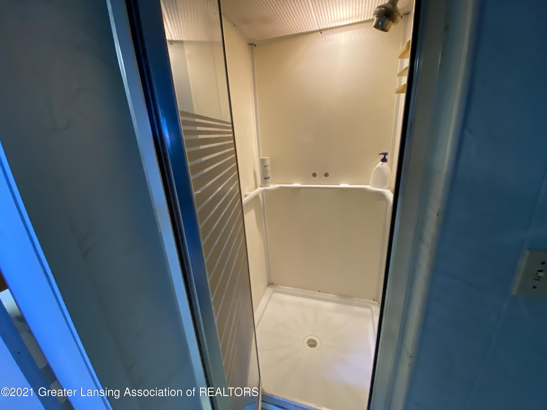 15500 Peacock Rd - basement shower - 21