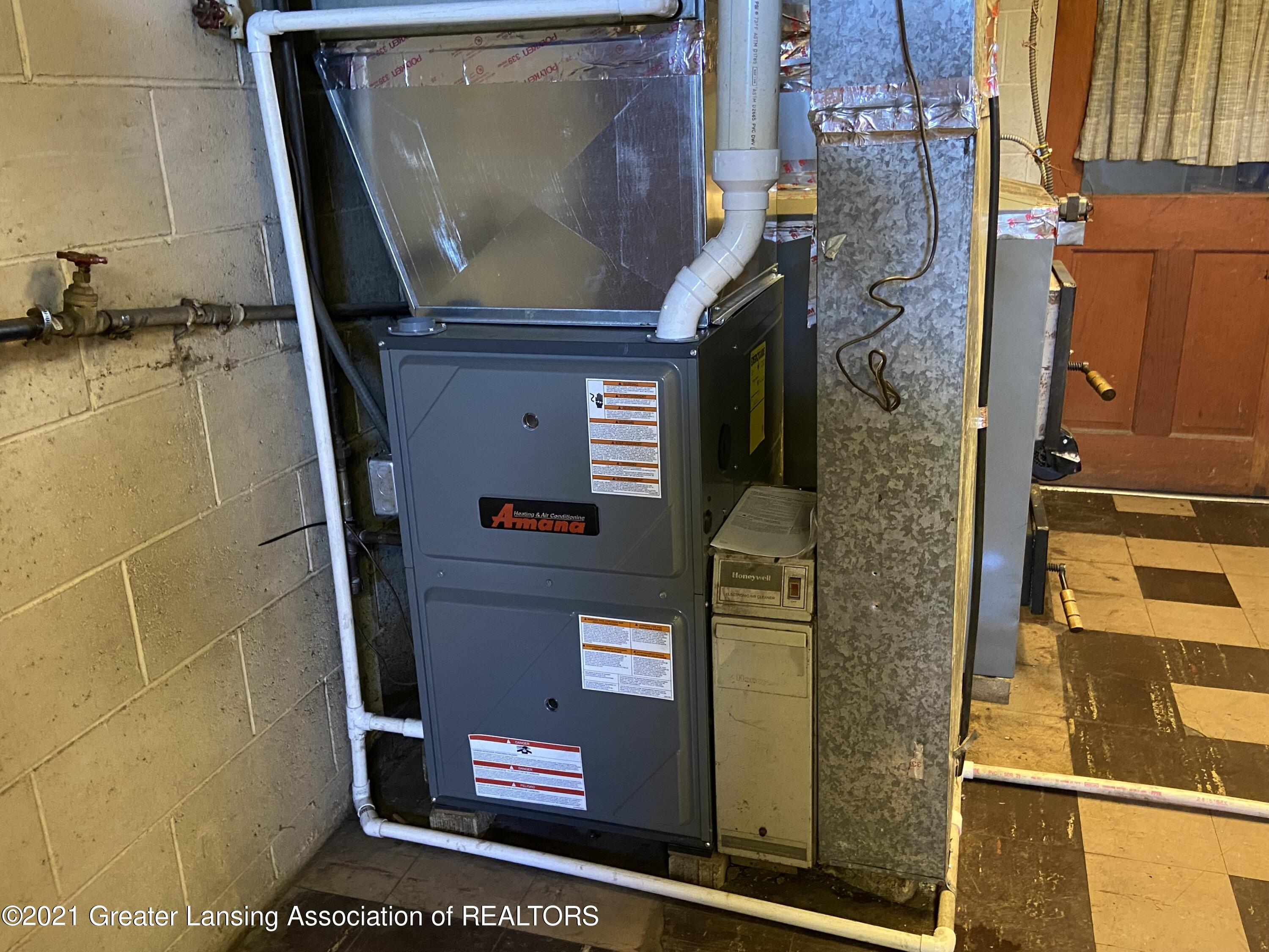 15500 Peacock Rd - new furnace - 23