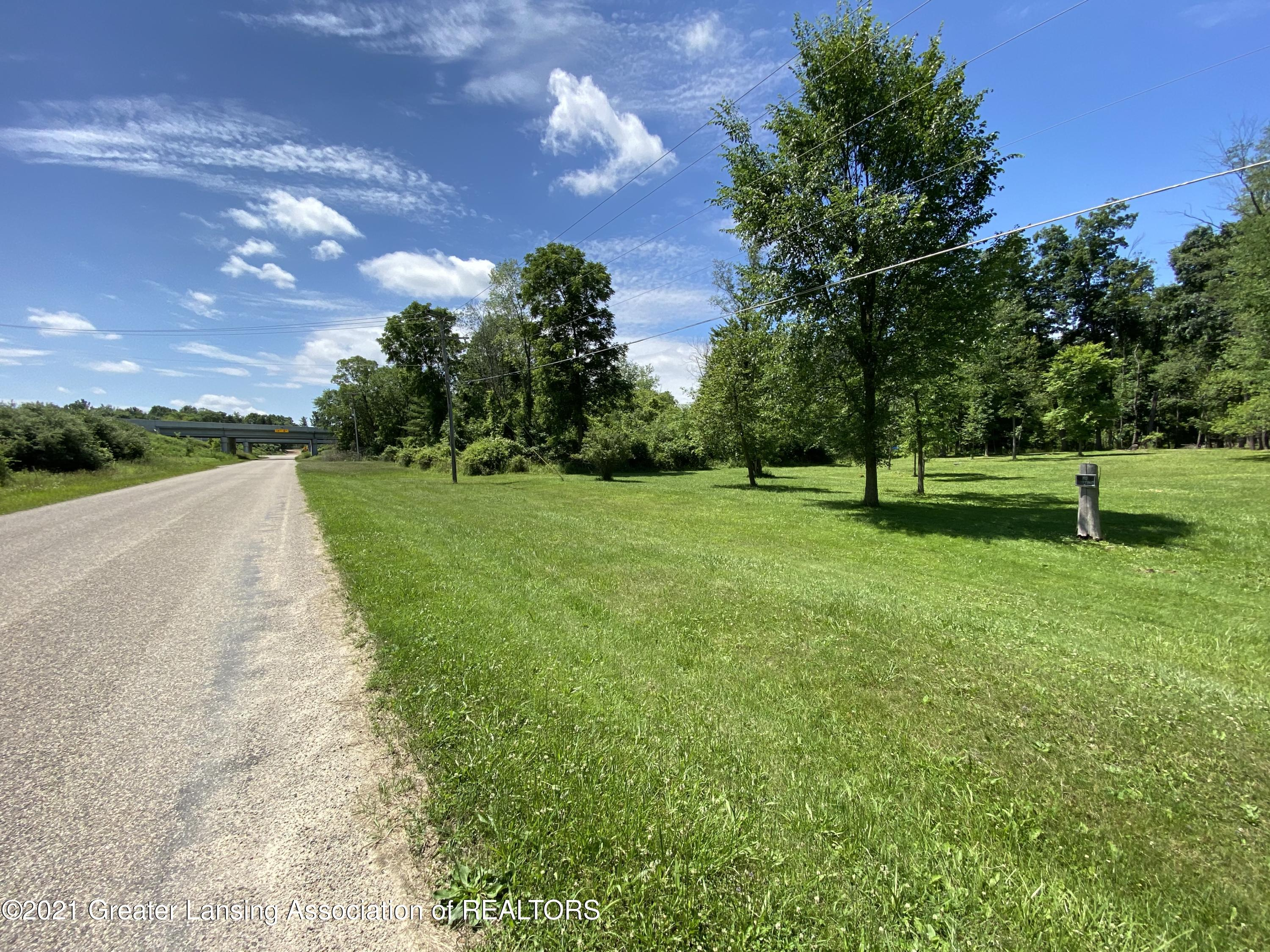 15729 Peacock Rd - Road view - 2