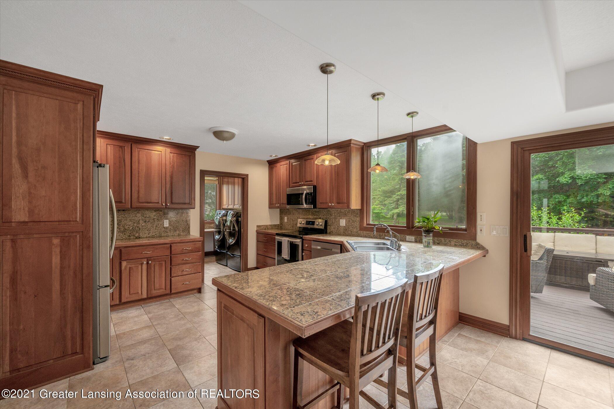 8100 Casandra Ln - MAIN FLOOR Kitchen - 5