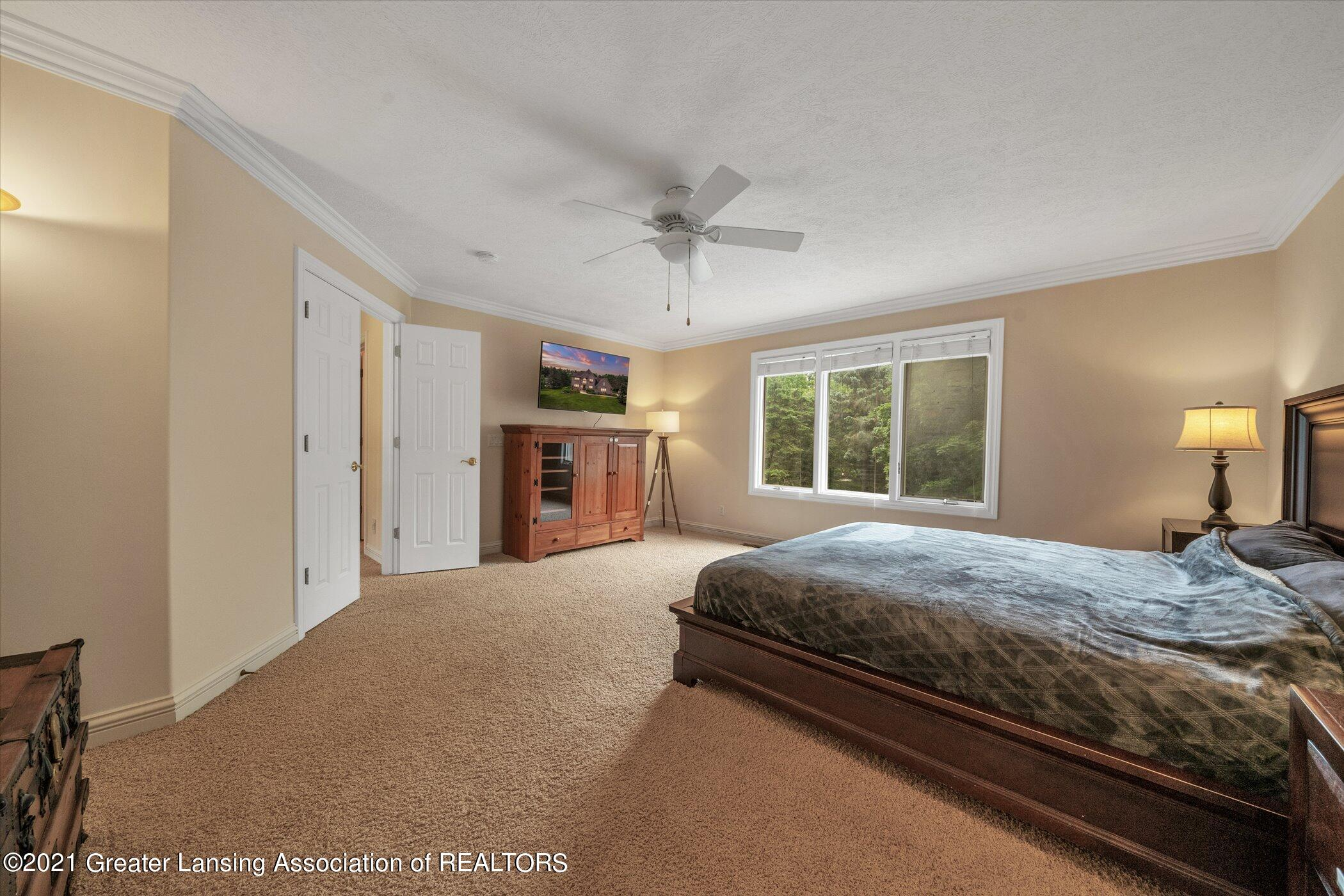 8100 Casandra Ln - UPPER LEVEL Primary Bedroom - 6