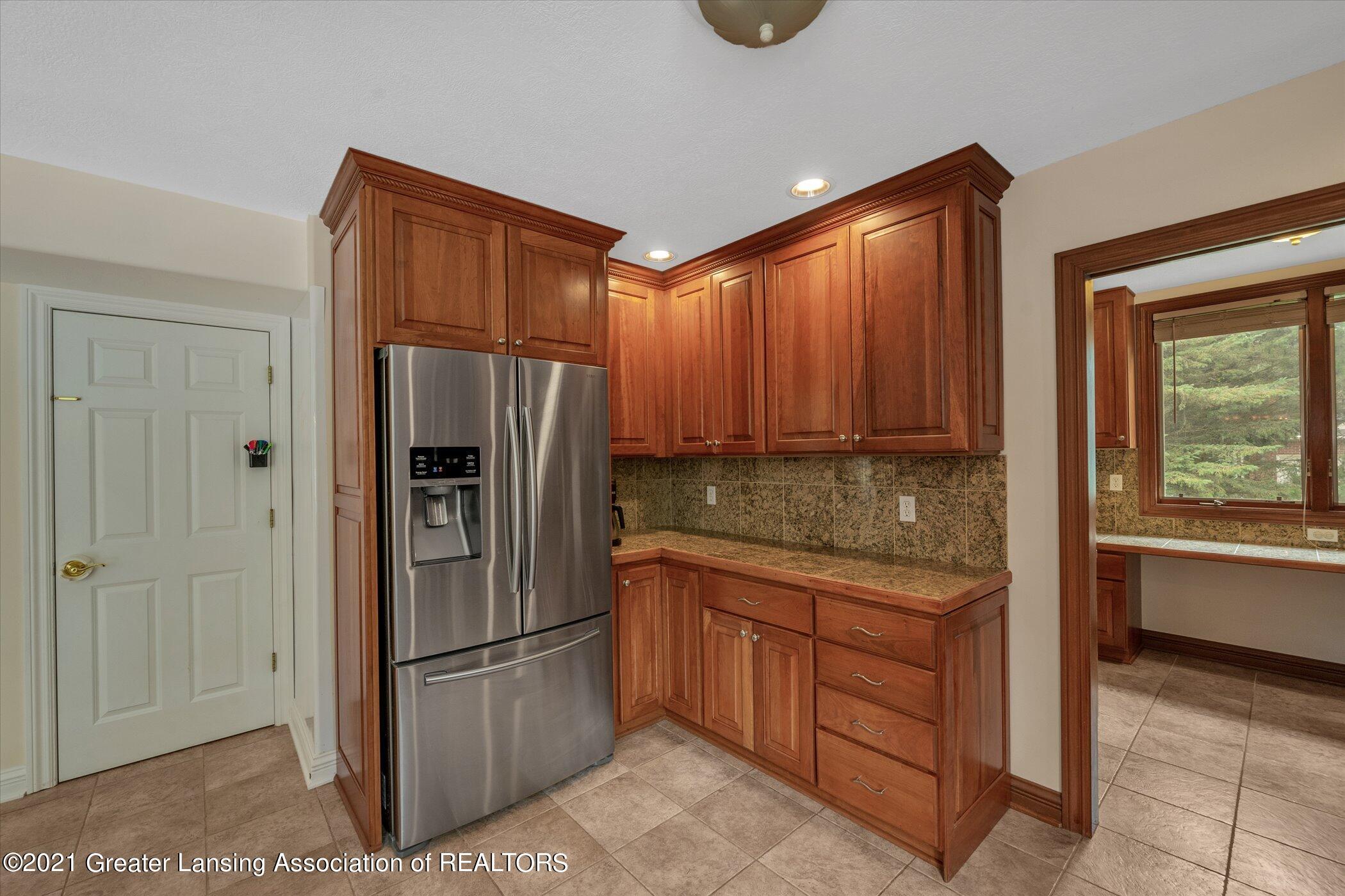 8100 Casandra Ln - MAIN FLOOR Kitchen - 16