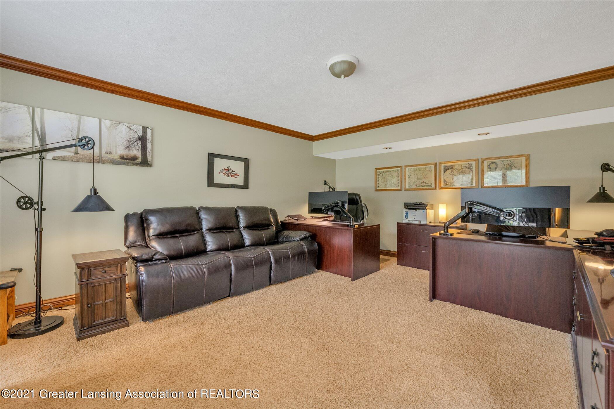 8100 Casandra Ln - MAIN FLOOR Formal Living Room or Of - 19