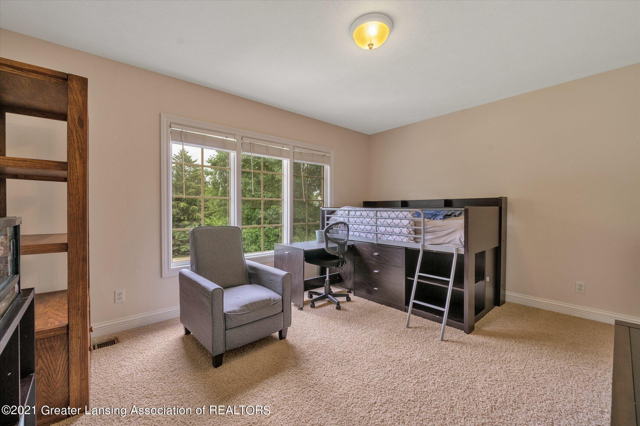 8100 Casandra Ln - UPPER LEVEL Bedroom 3 - 29