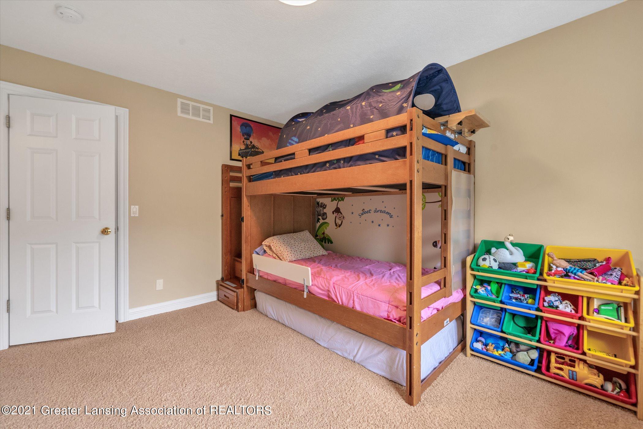 8100 Casandra Ln - UPPER LEVEL Bedroom 4 - 31