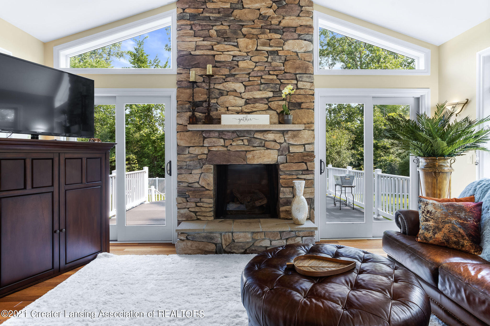 910 Abbey Rd - stacked stone fireplace - 18