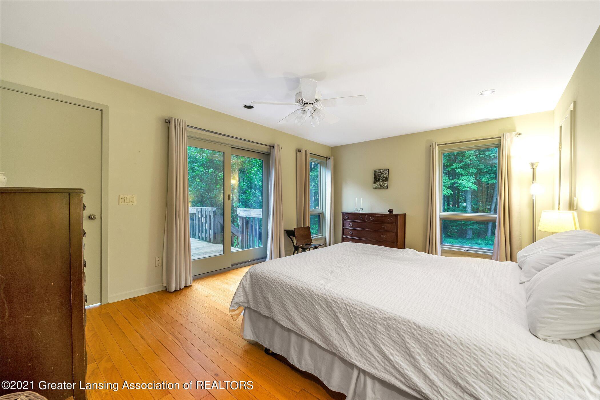 442 Shoesmith Rd - (18) MAIN FLOOR Primary Bedroom - 19