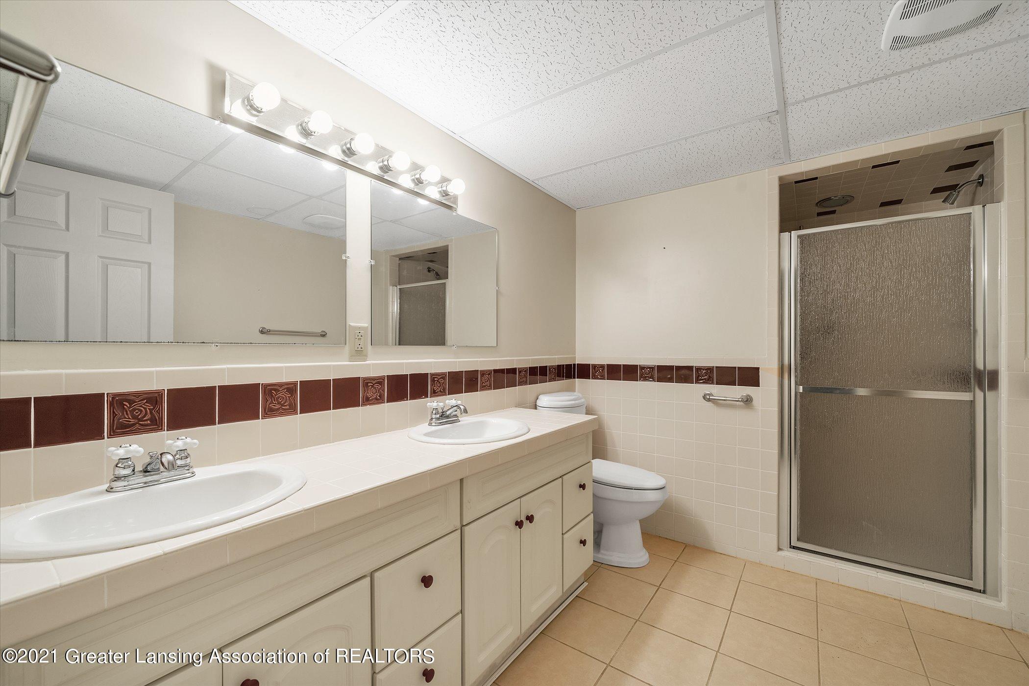 442 Shoesmith Rd - (32) LOWER LEVEL Full Bathroom - 33