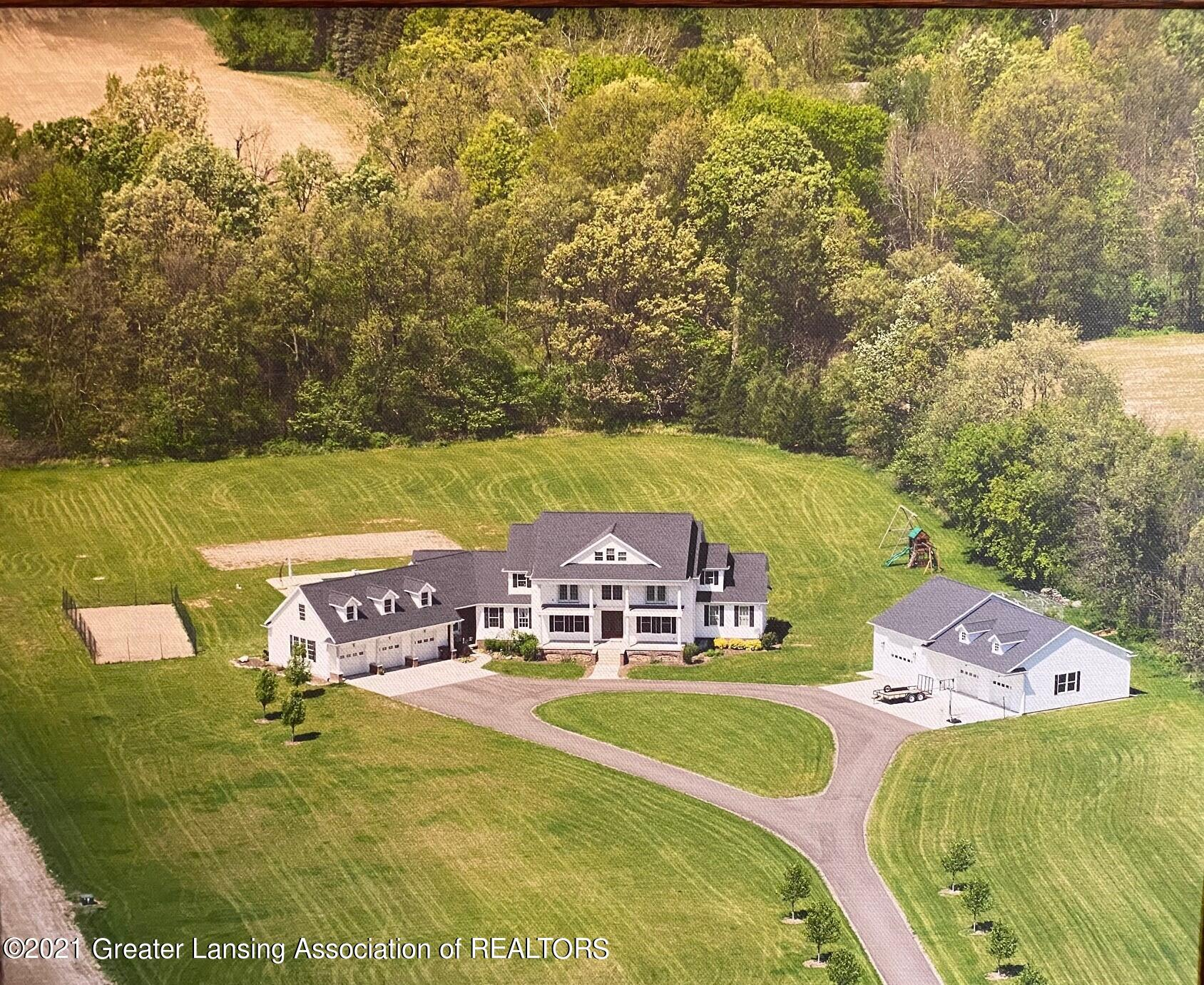 2787 Moyer Rd - House and property view - 1
