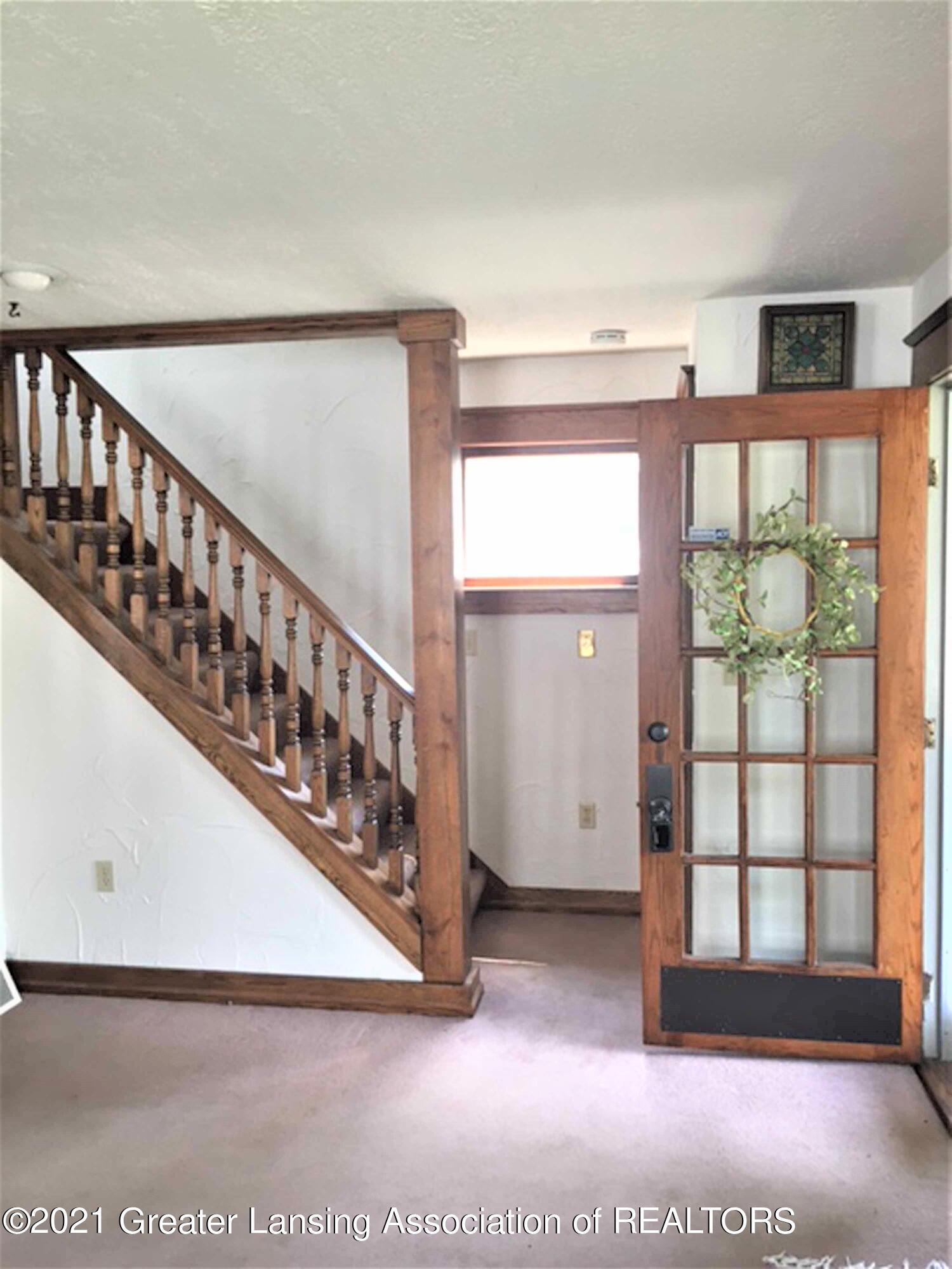 726 N Magnolia Ave - (2.1) MAIN FLOOR  Living Room - 3