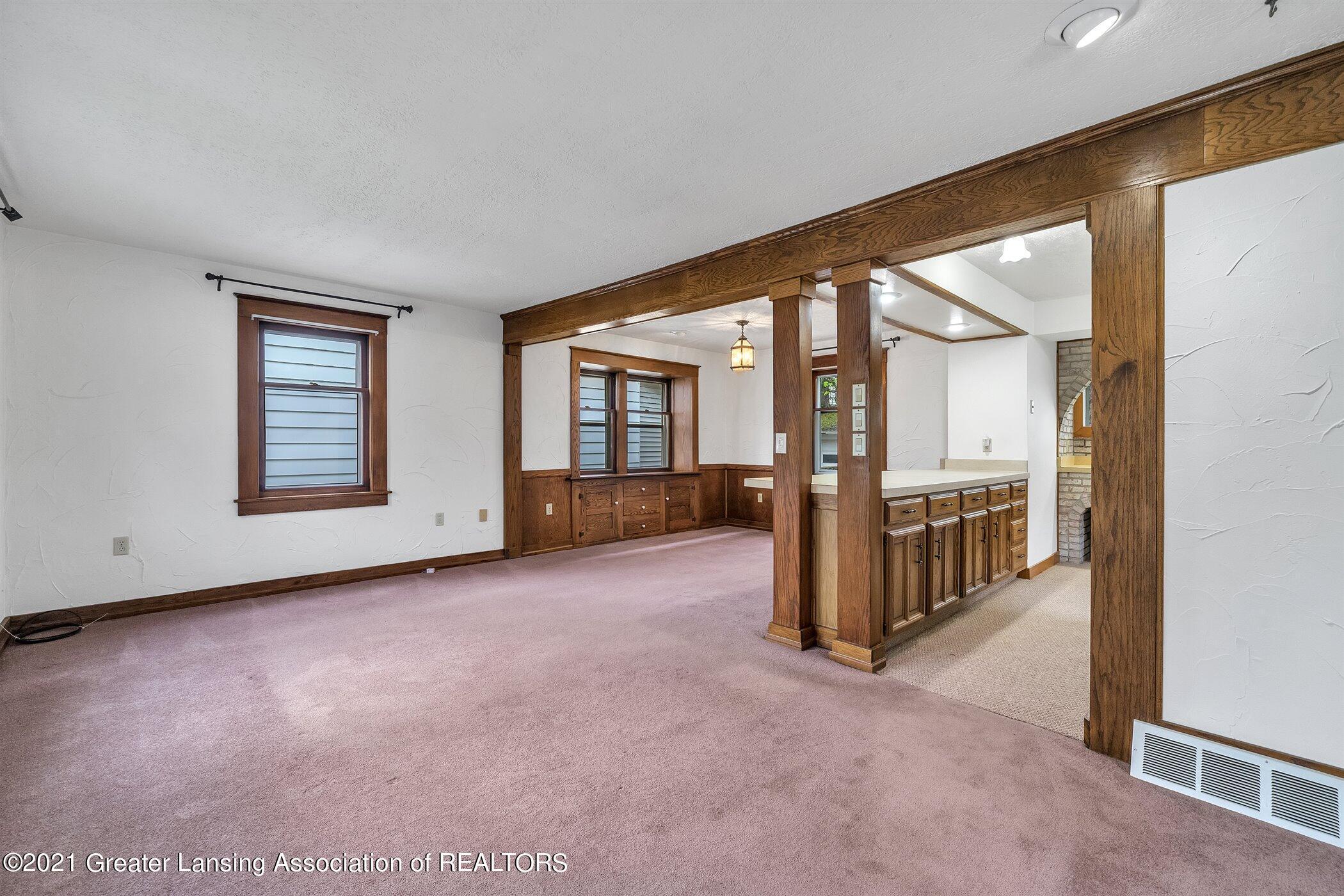 726 N Magnolia Ave - (4) MAIN FLOOR Living Room - 5