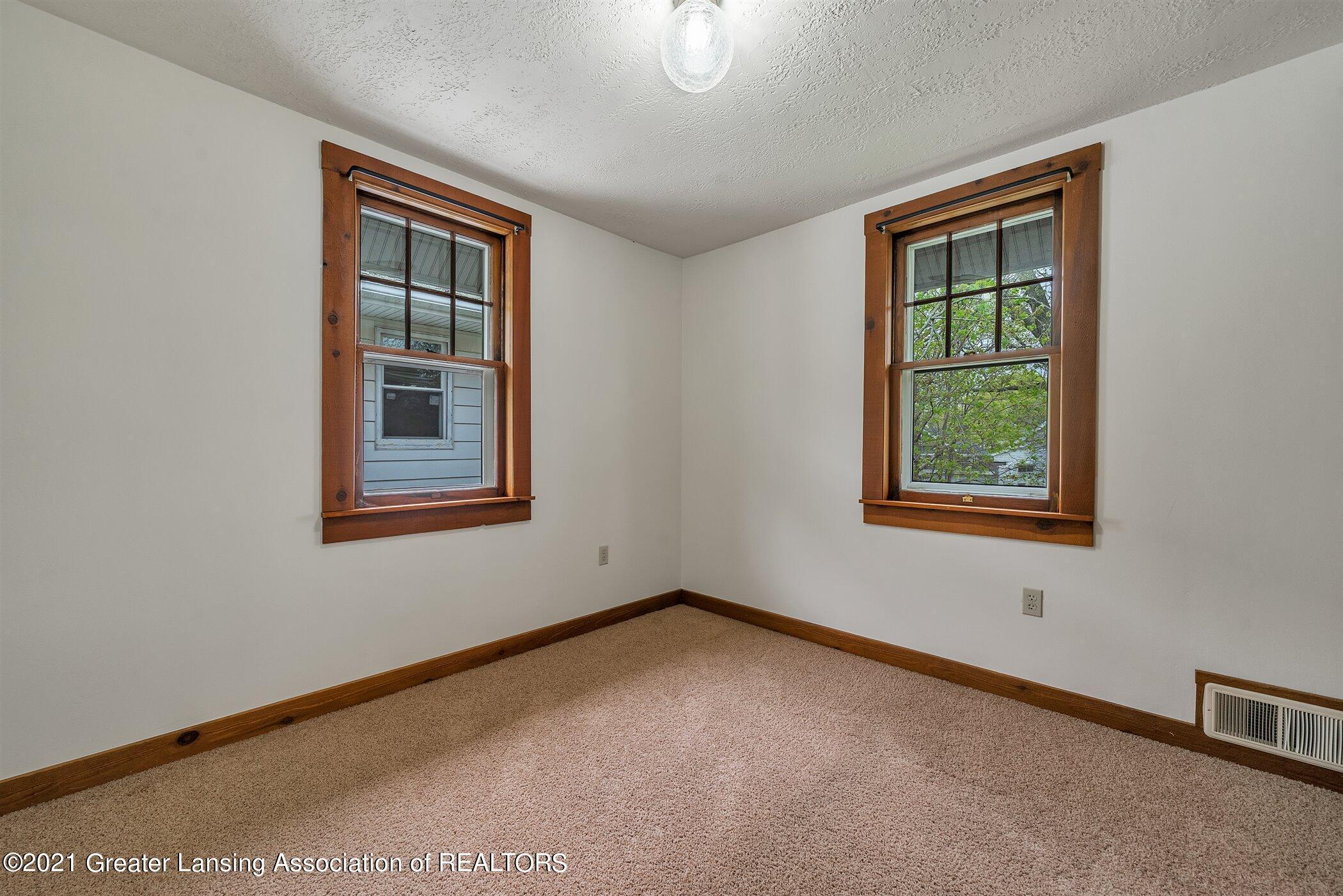 726 N Magnolia Ave - (15) UPPER LEVEL Bedroom 2 - 18