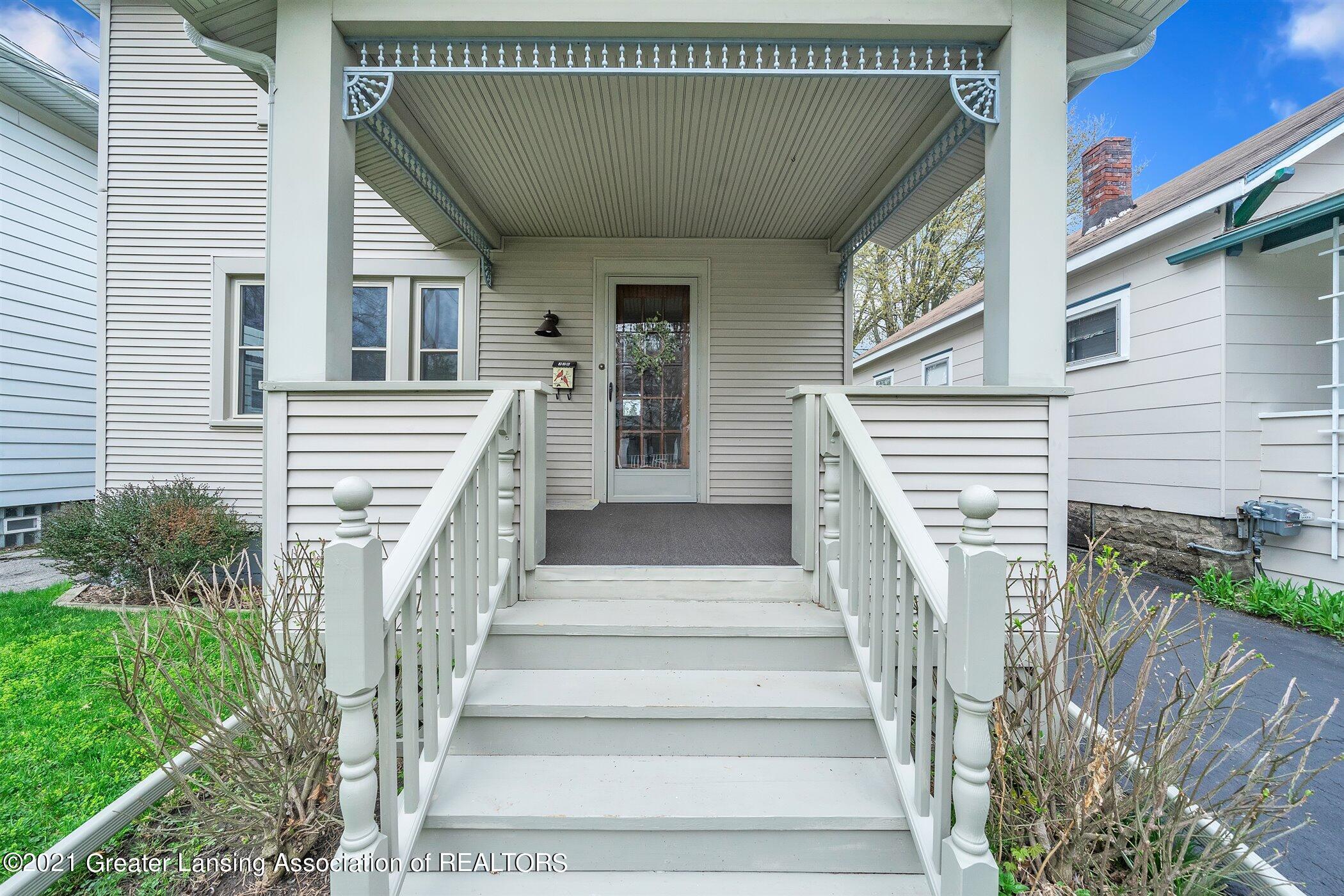 726 N Magnolia Ave - (25) EXTERIOR Front Porch - 29