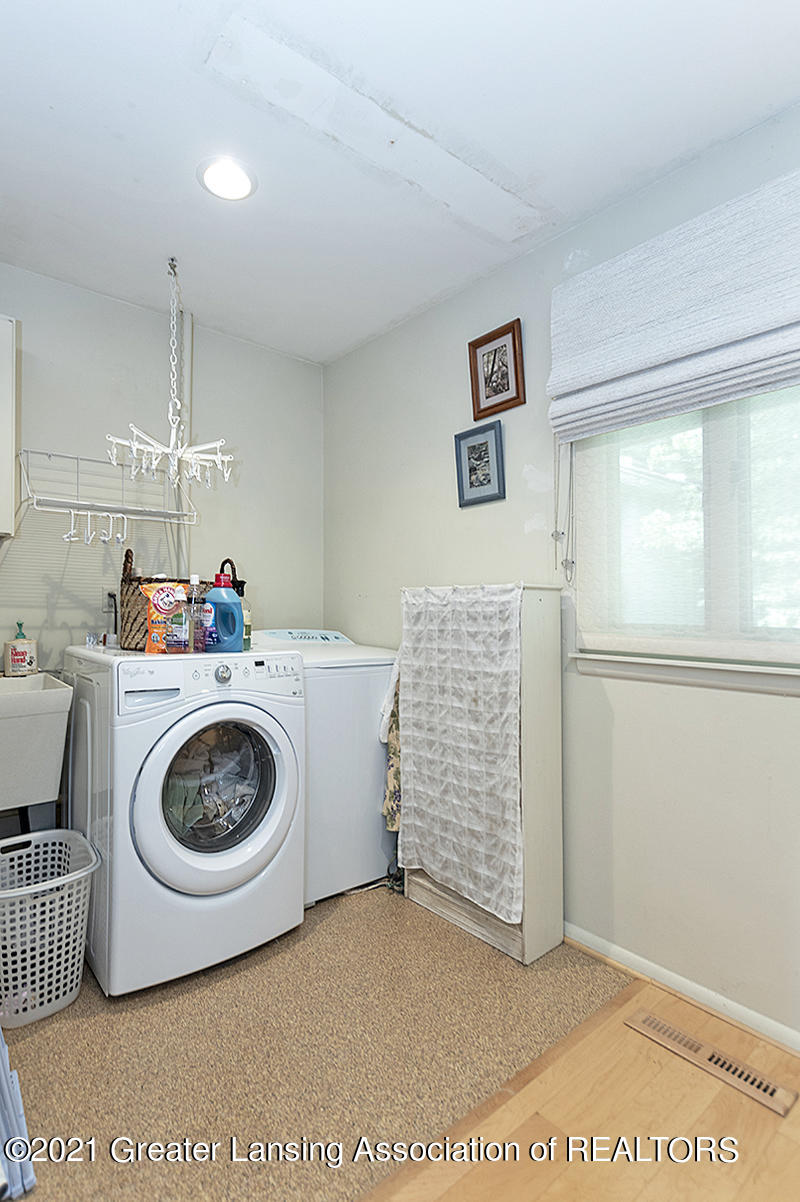 308 S Circle Dr - First Floor Laundry - 20