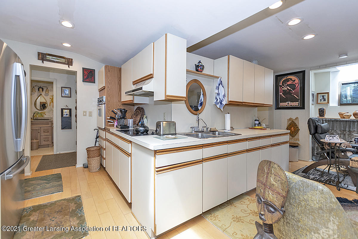 308 S Circle Dr - Kitchen/Family Room - 14