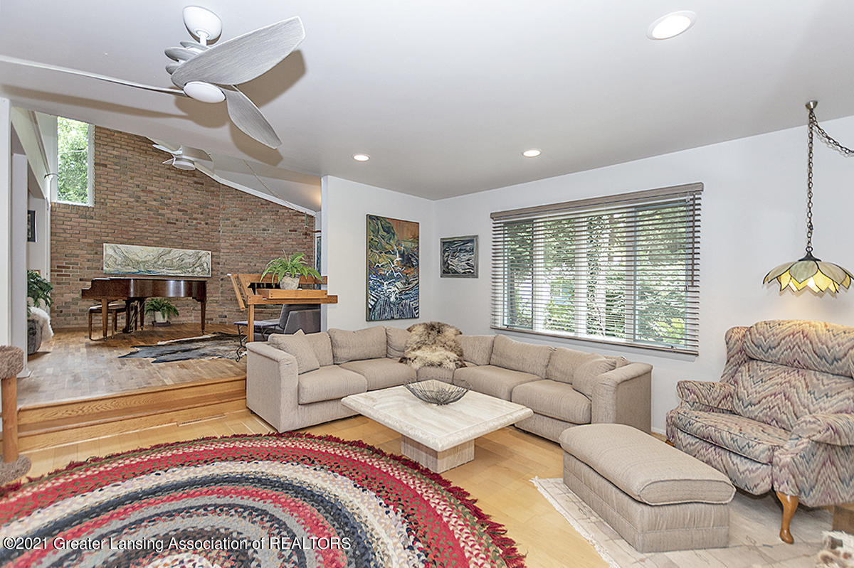 308 S Circle Dr - Great Room - 11